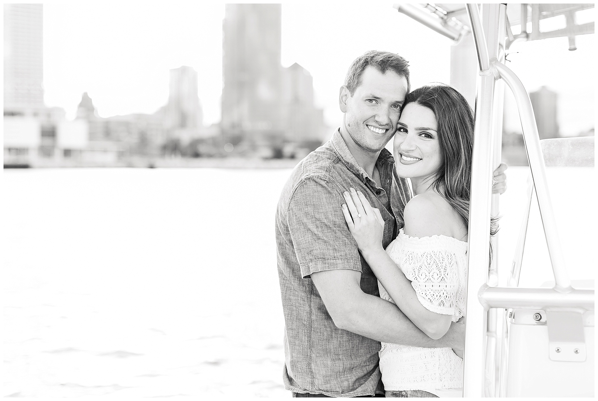 Milwaukee_waterfront_engagement_session_Madison_wisconsin_wedding_photographers_0038.jpg