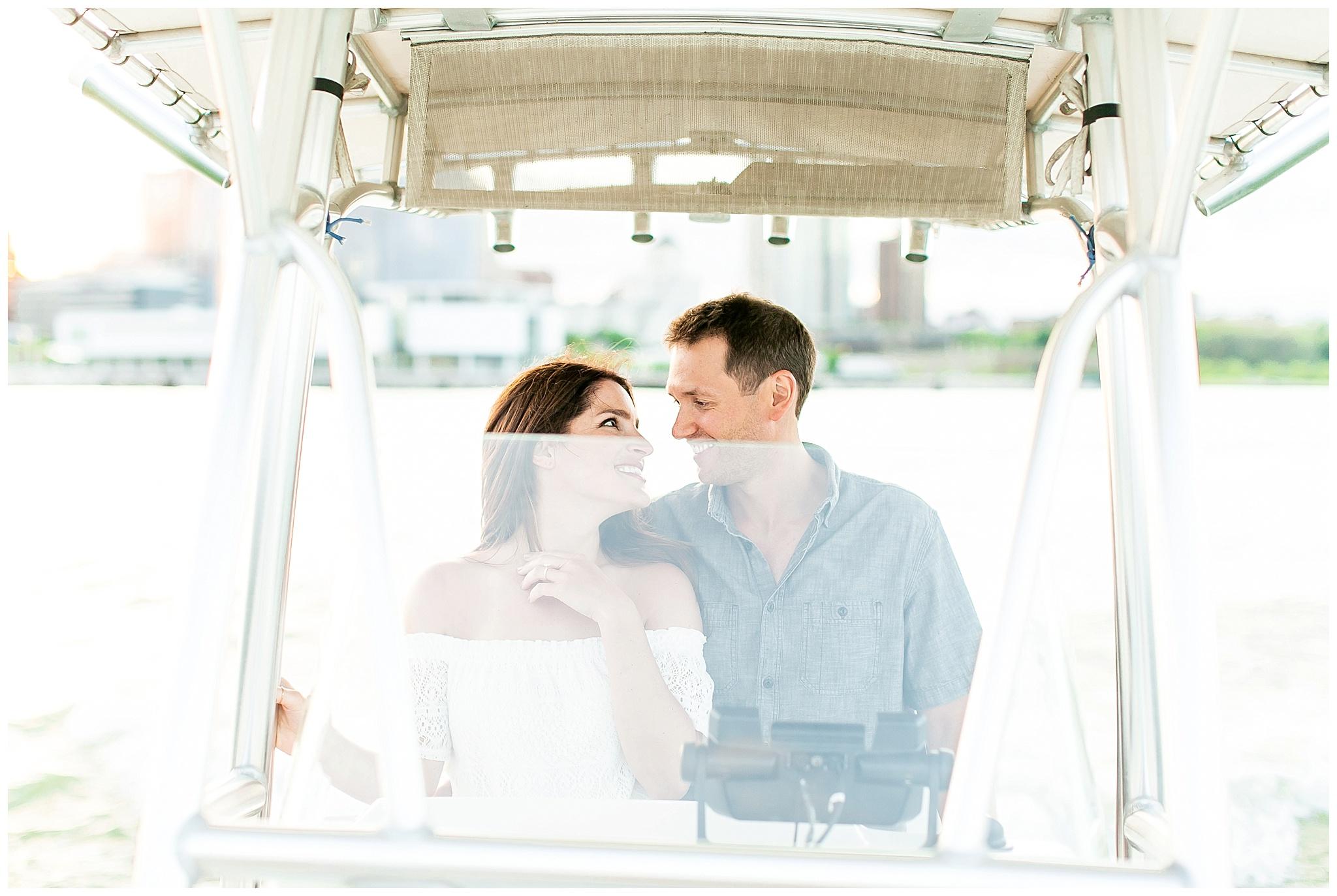 Milwaukee_waterfront_engagement_session_Madison_wisconsin_wedding_photographers_0040.jpg