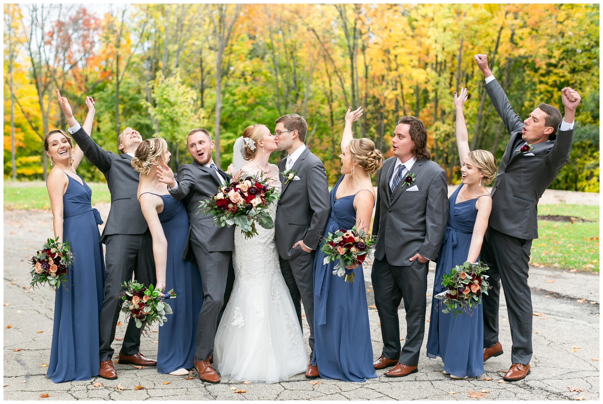 fall_wedding_pullmans_trolley_resturant_kimberly_wisconsin_1684.jpg