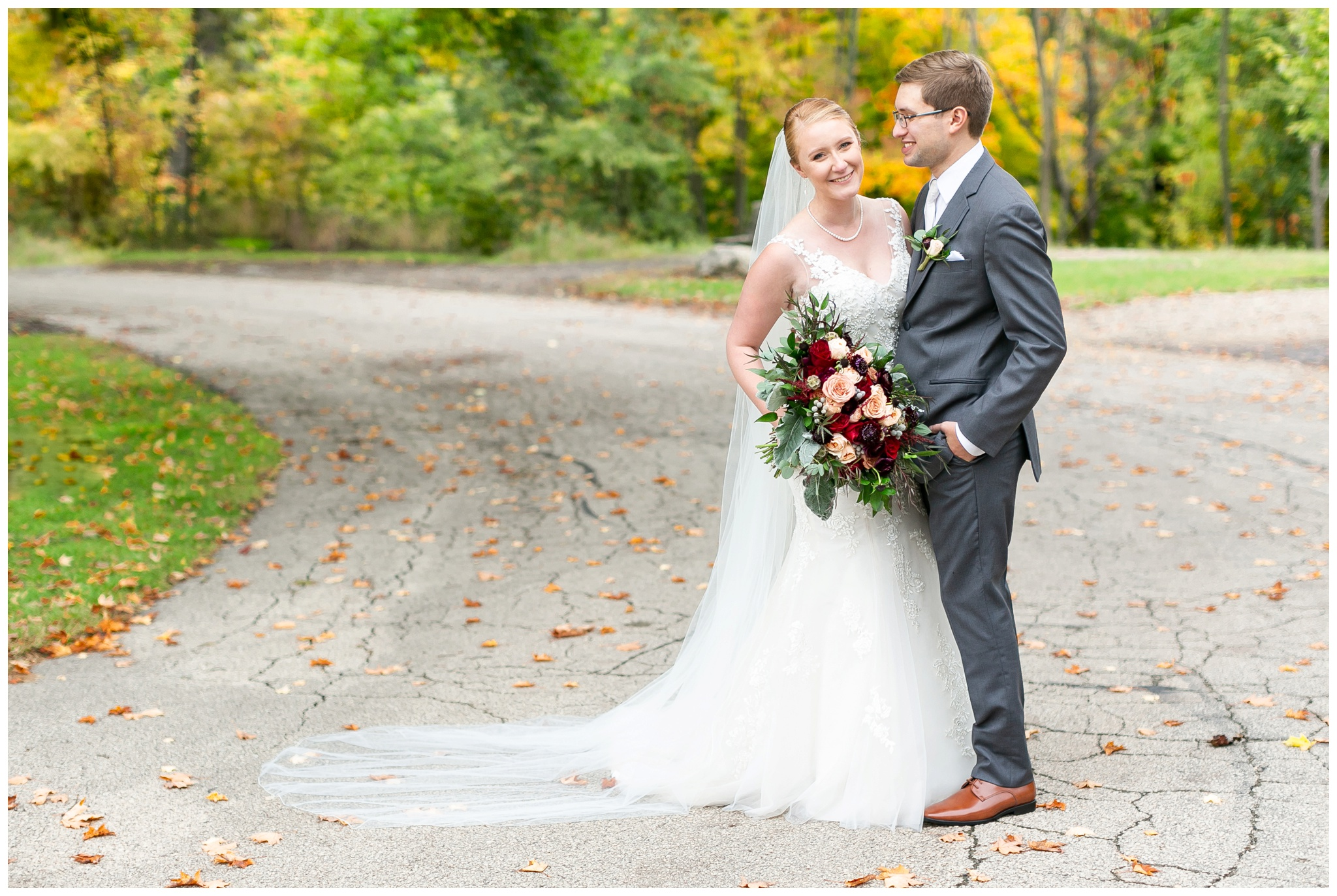 fall_wedding_pullmans_trolley_resturant_kimberly_wisconsin_1696.jpg