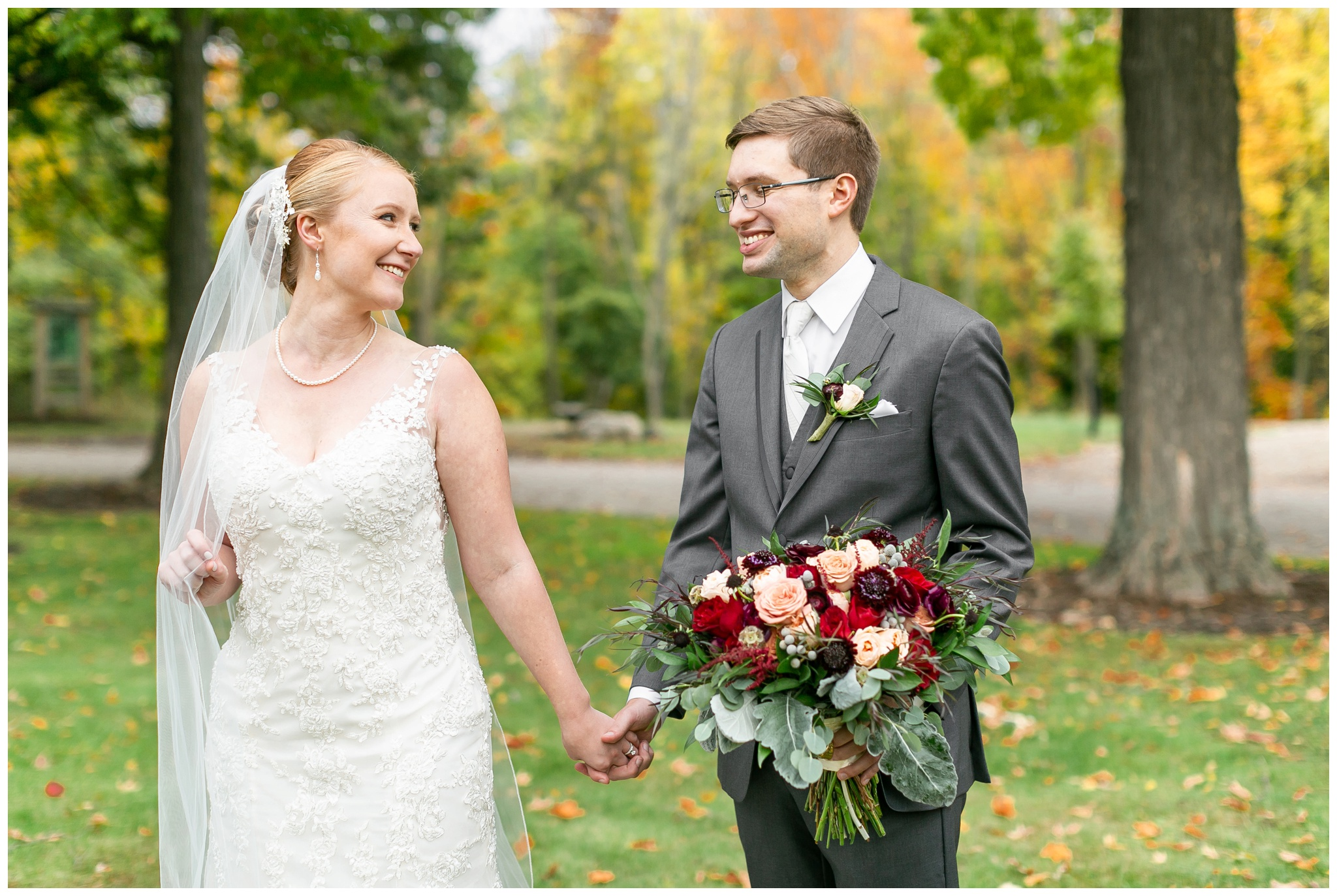 fall_wedding_pullmans_trolley_resturant_kimberly_wisconsin_1703.jpg