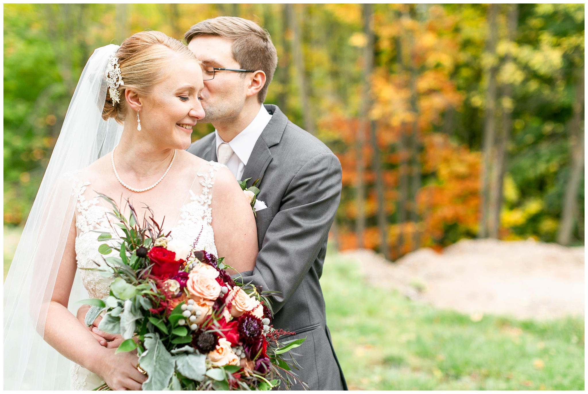 fall_wedding_pullmans_trolley_resturant_kimberly_wisconsin_1709.jpg