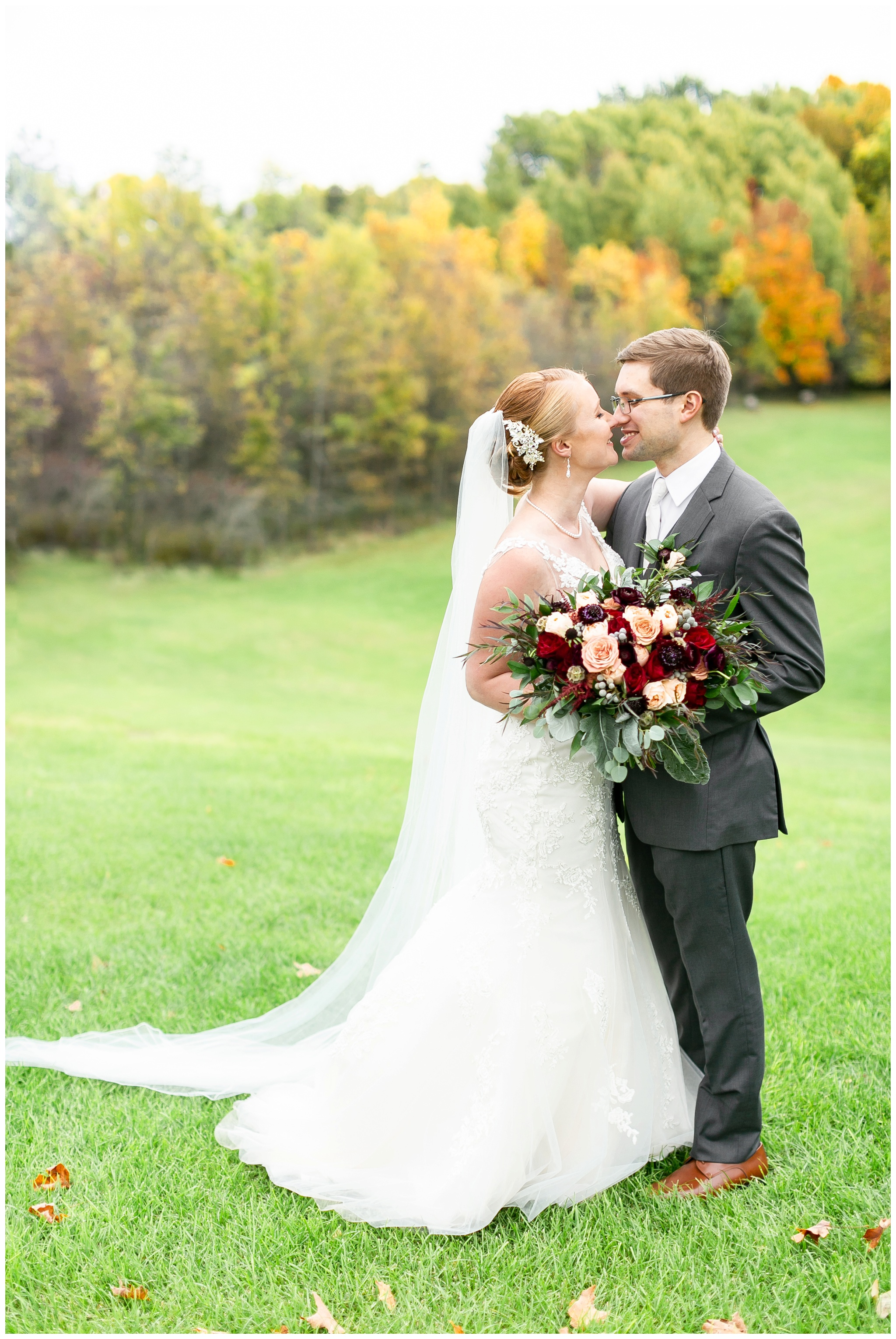 fall_wedding_pullmans_trolley_resturant_kimberly_wisconsin_1715.jpg