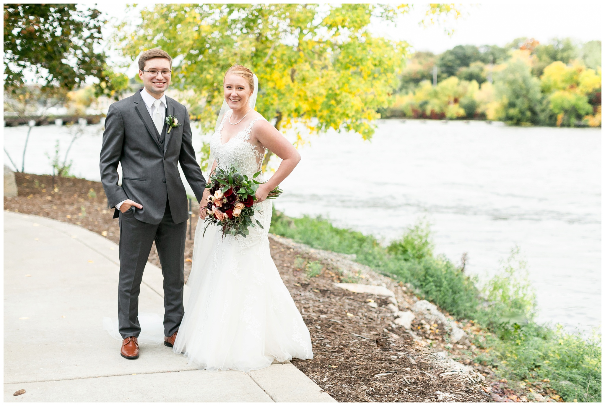 fall_wedding_pullmans_trolley_resturant_kimberly_wisconsin_1728.jpg