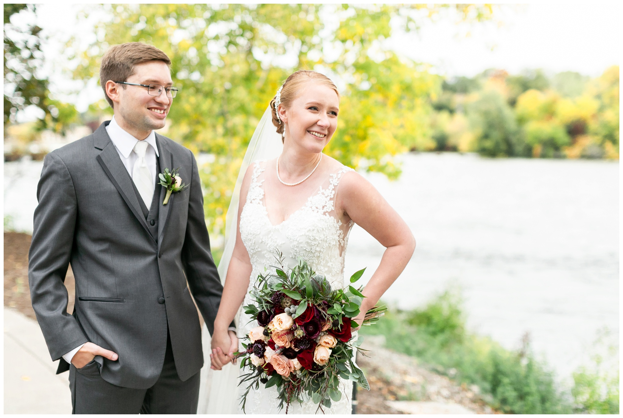 fall_wedding_pullmans_trolley_resturant_kimberly_wisconsin_1731.jpg