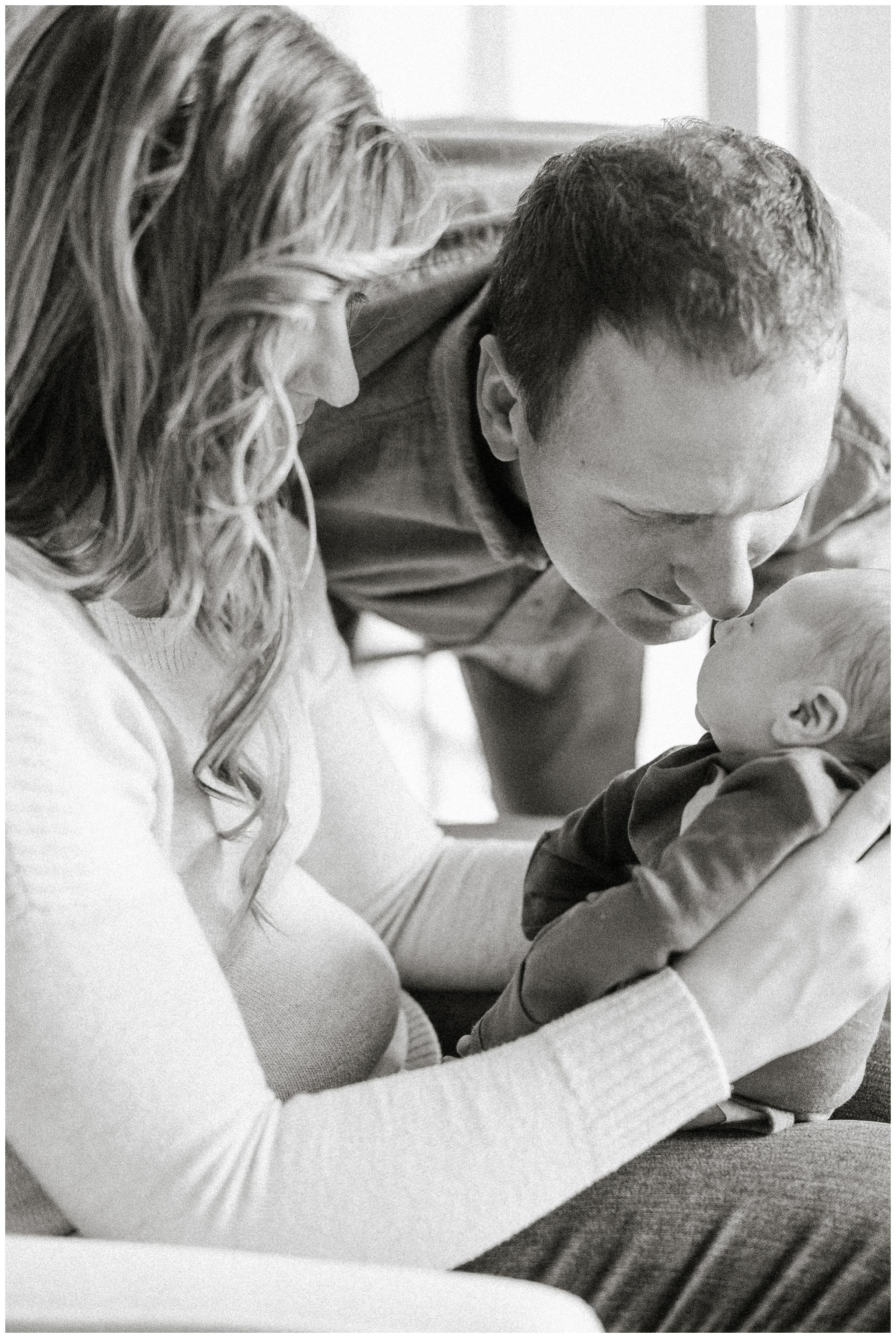 Lifestyle_newborn_session_Madison_wisconsin_photographers_2250.jpg