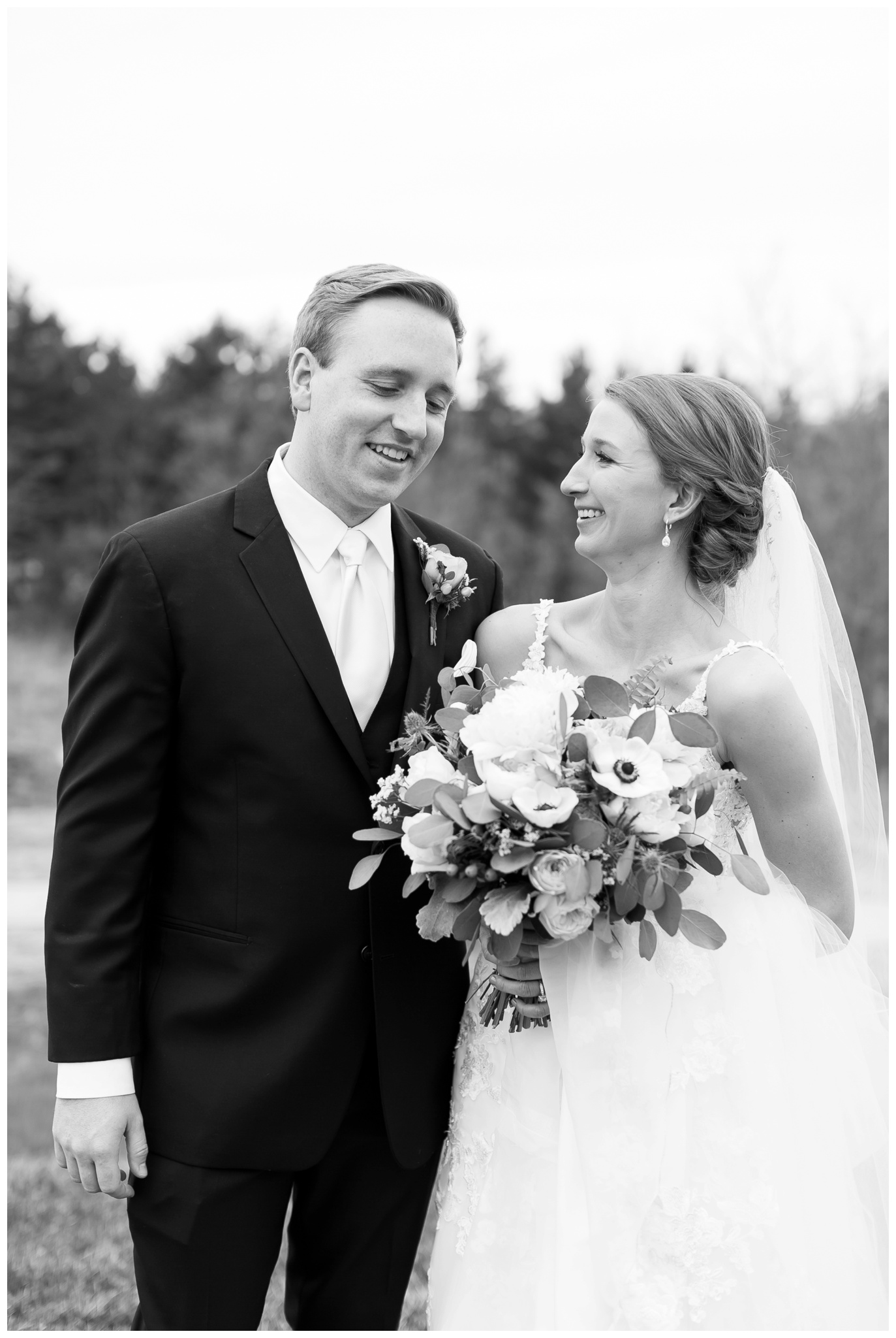 Fields_Reserve_Wedding_Madison_Wisconsin_Wedding_photographers_3518.jpg