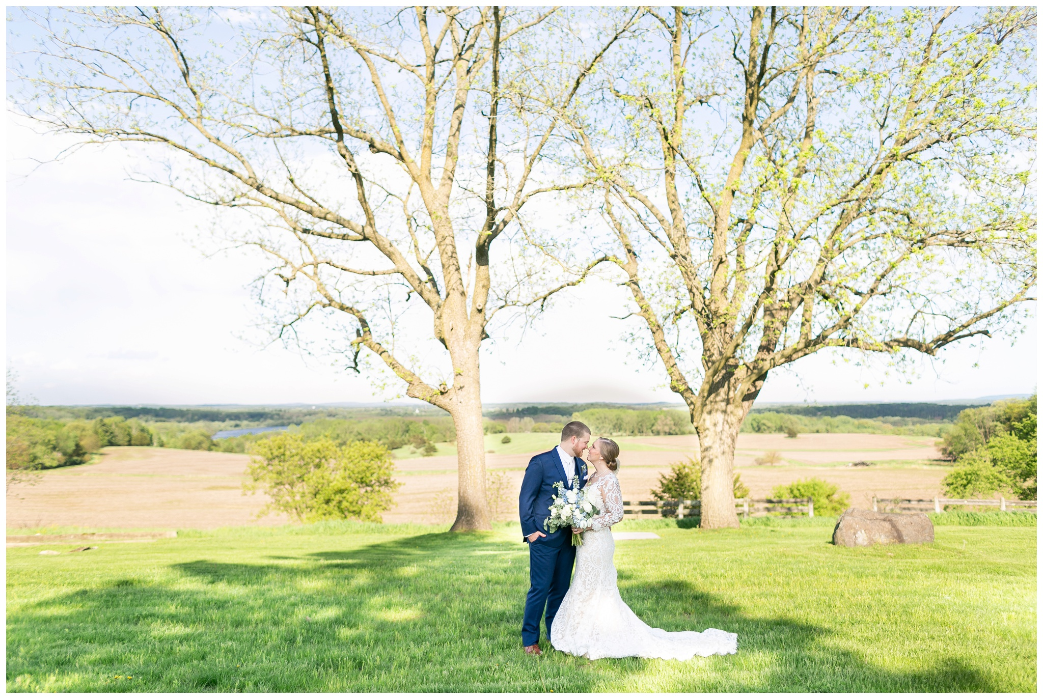 vennebu_hill_baraboo_wisconsin_wedding_madison_wisconsin_wedding_photographers_3054.jpg