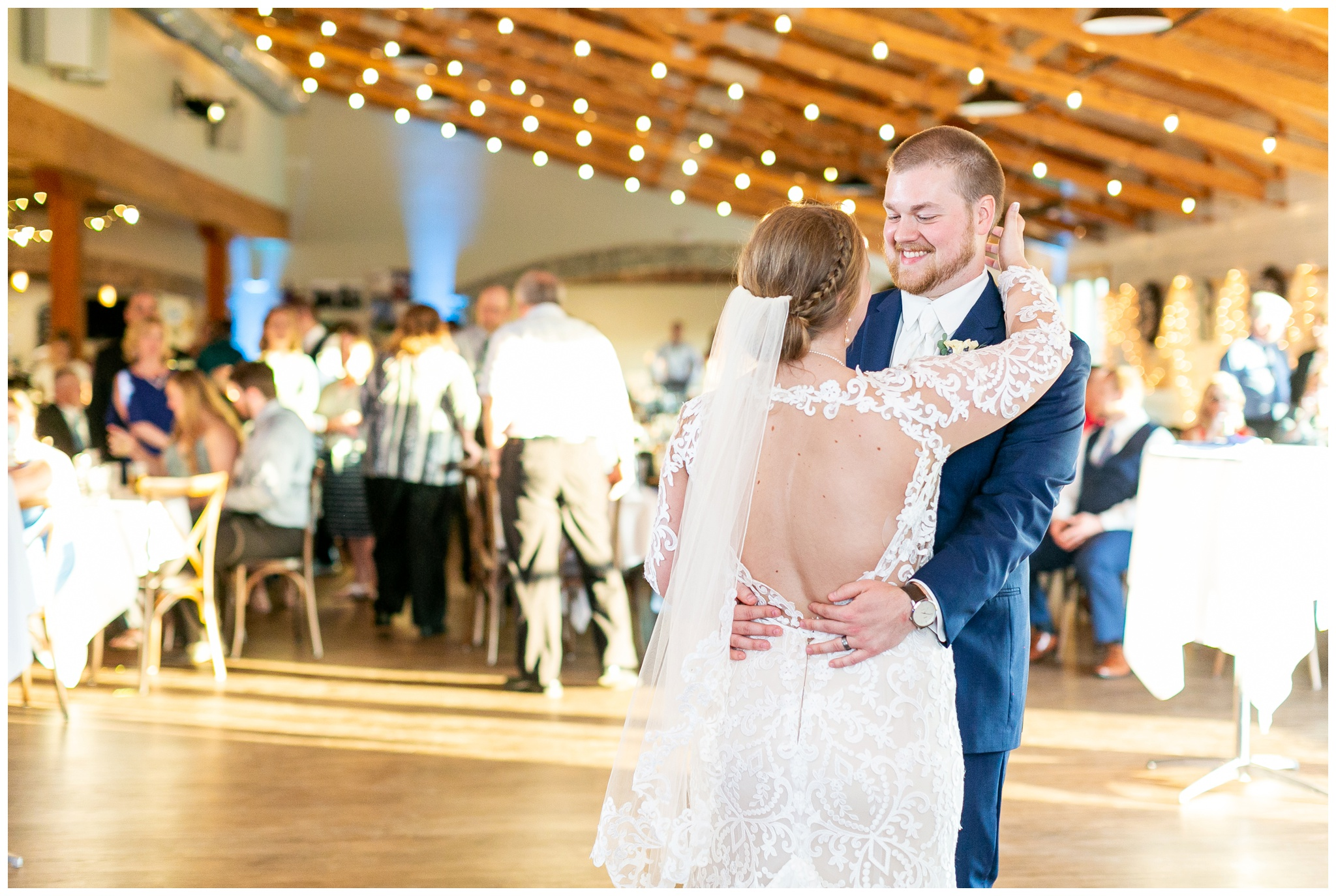 vennebu_hill_baraboo_wisconsin_wedding_madison_wisconsin_wedding_photographers_3067.jpg