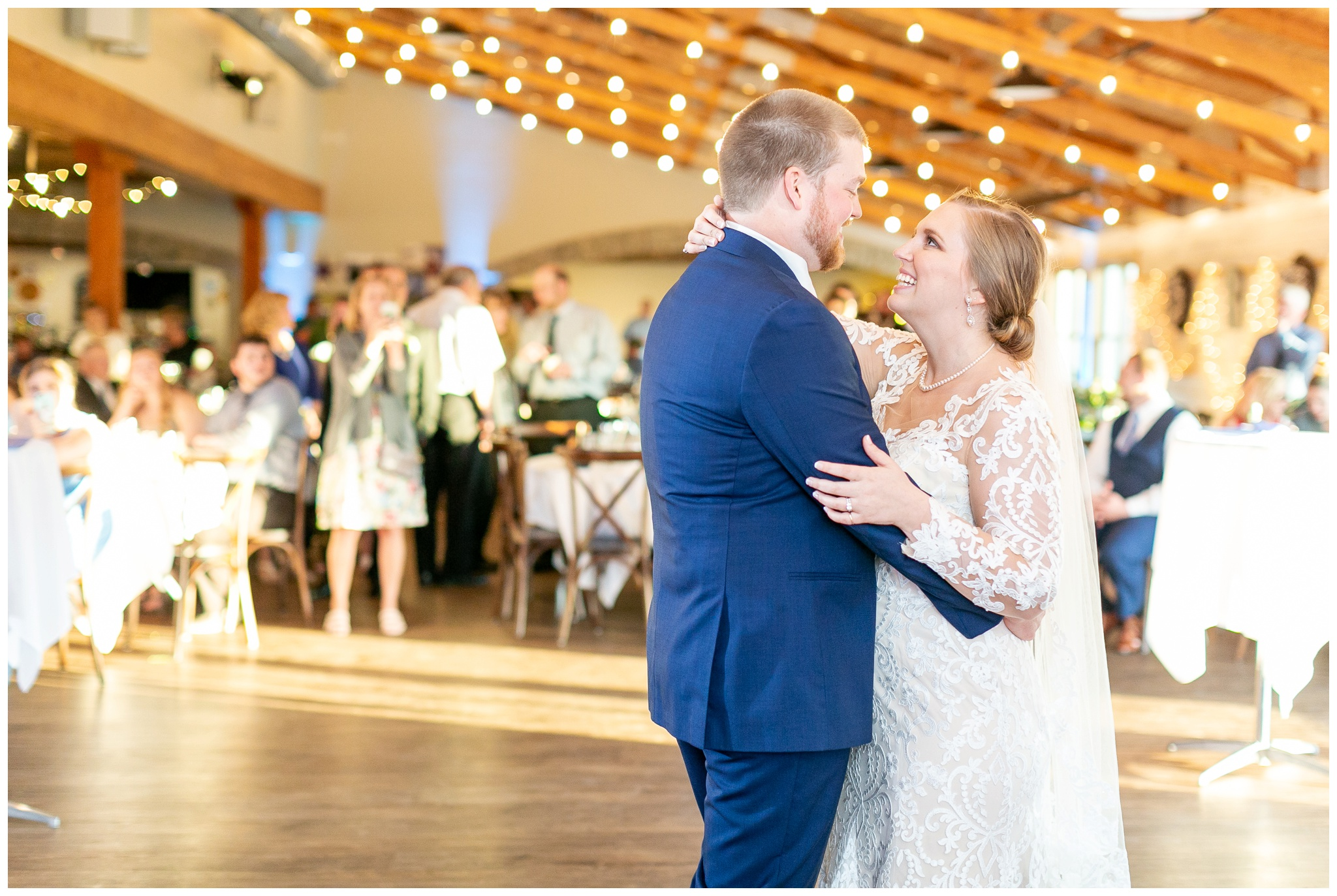 vennebu_hill_baraboo_wisconsin_wedding_madison_wisconsin_wedding_photographers_3069.jpg