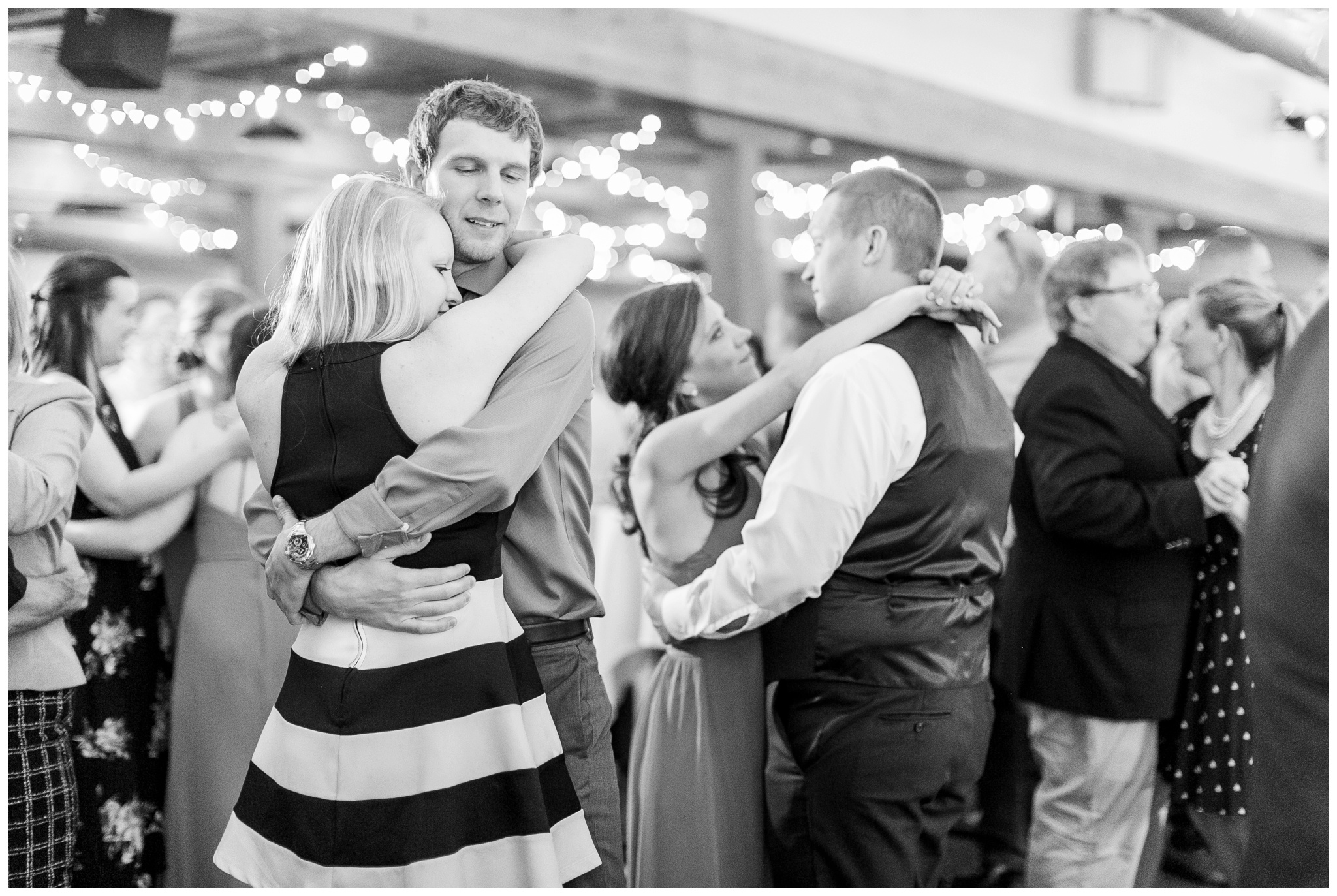 vennebu_hill_baraboo_wisconsin_wedding_madison_wisconsin_wedding_photographers_3074.jpg