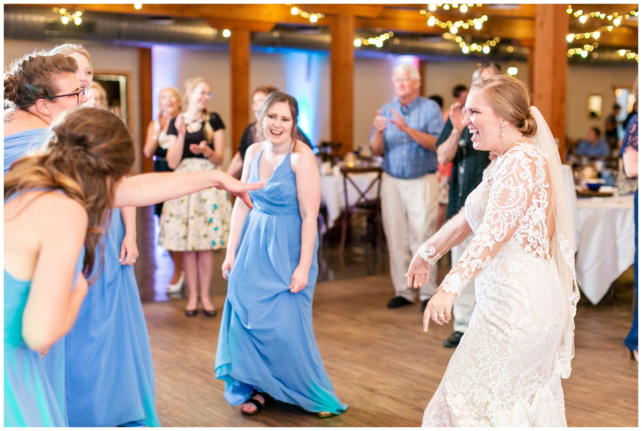 vennebu_hill_baraboo_wisconsin_wedding_madison_wisconsin_wedding_photographers_3079.jpg