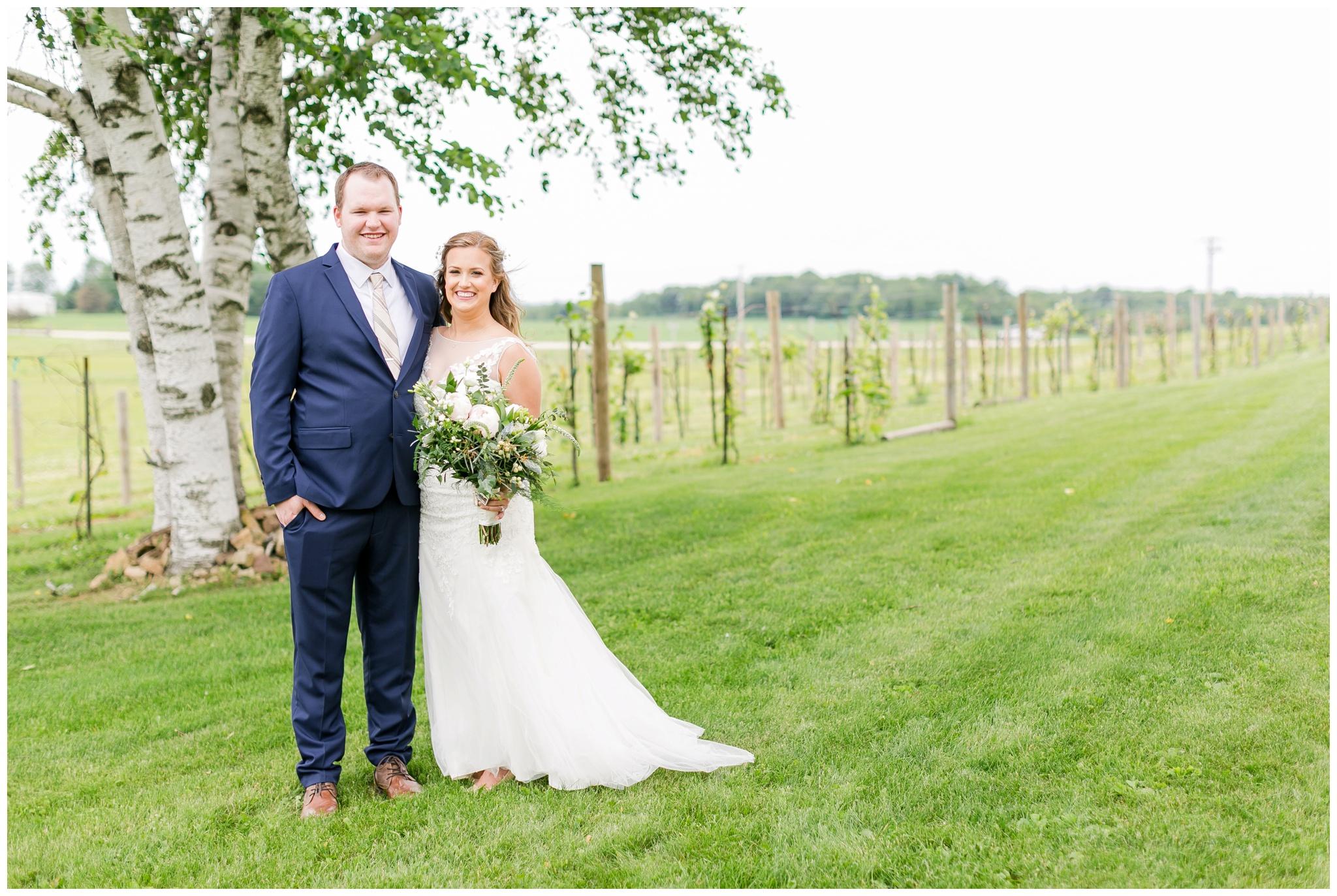 over_the_vines_wedding_edgerton_wisconsin_wedding_caynay_photo_3983.jpg