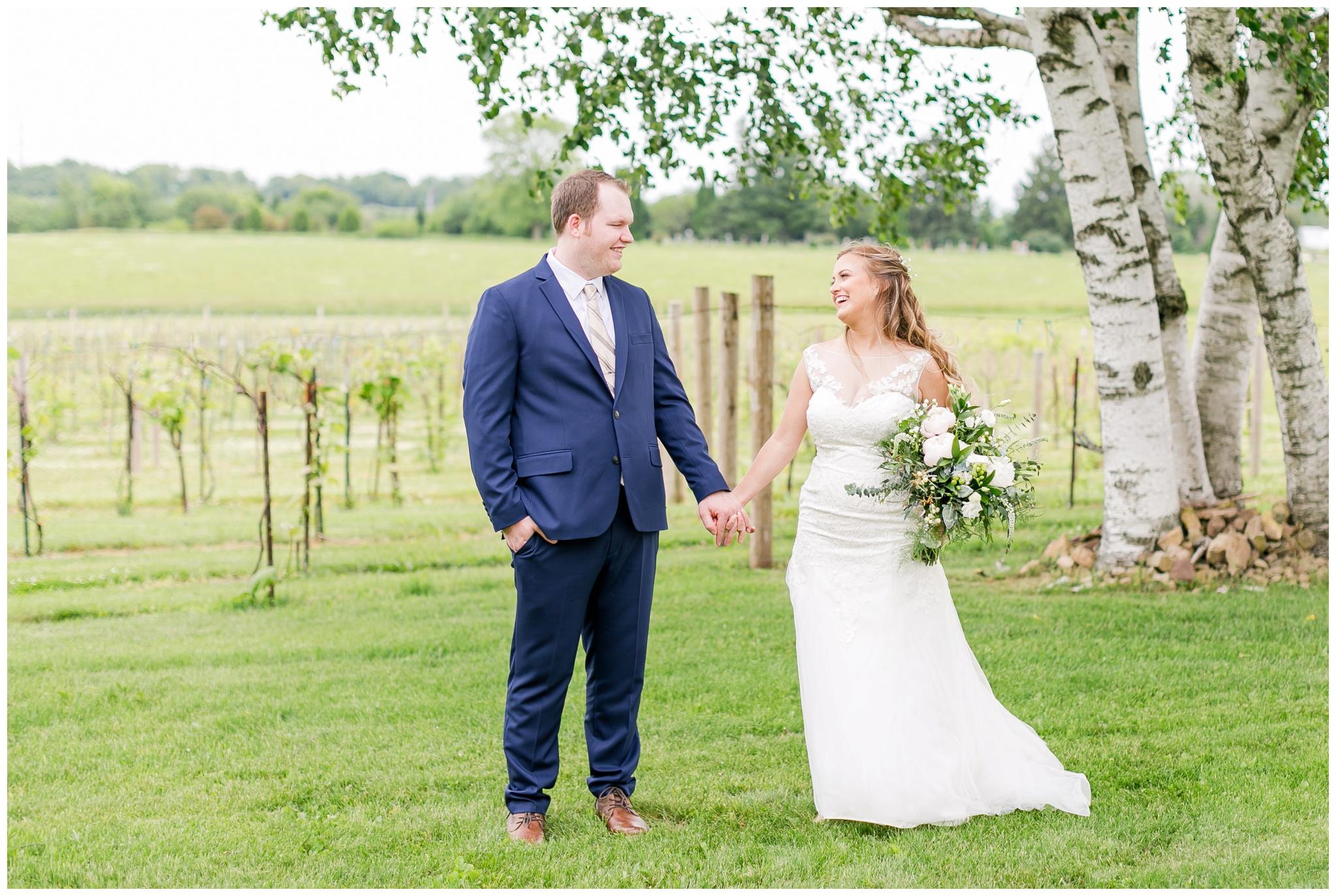 over_the_vines_wedding_edgerton_wisconsin_wedding_caynay_photo_3990.jpg