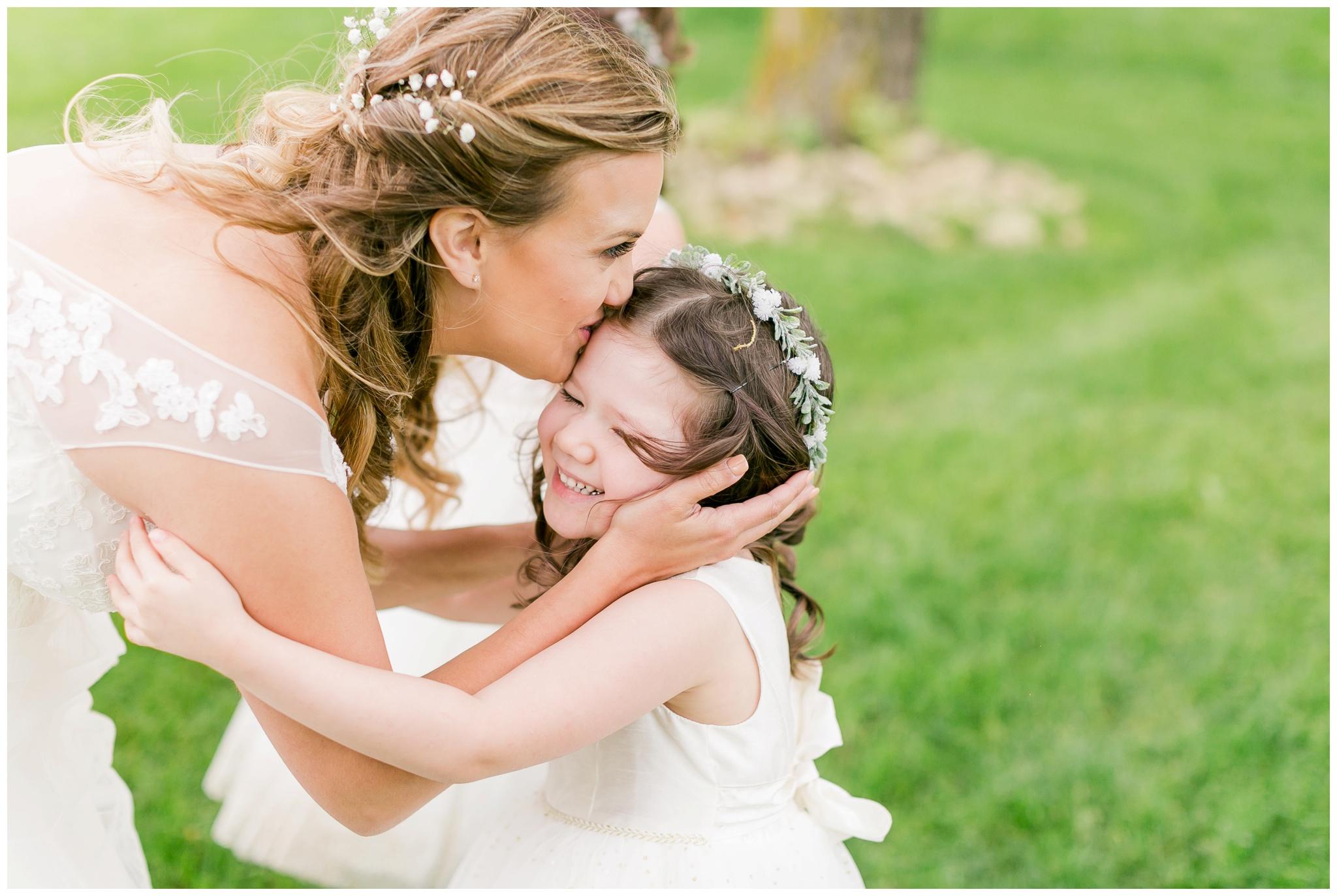 over_the_vines_wedding_edgerton_wisconsin_wedding_caynay_photo_4004.jpg