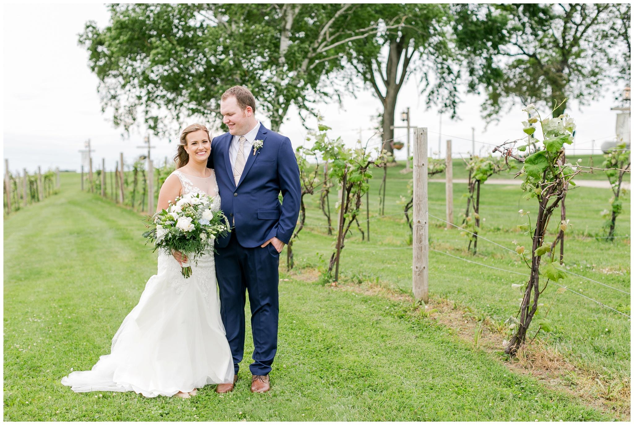 over_the_vines_wedding_edgerton_wisconsin_wedding_caynay_photo_4012.jpg