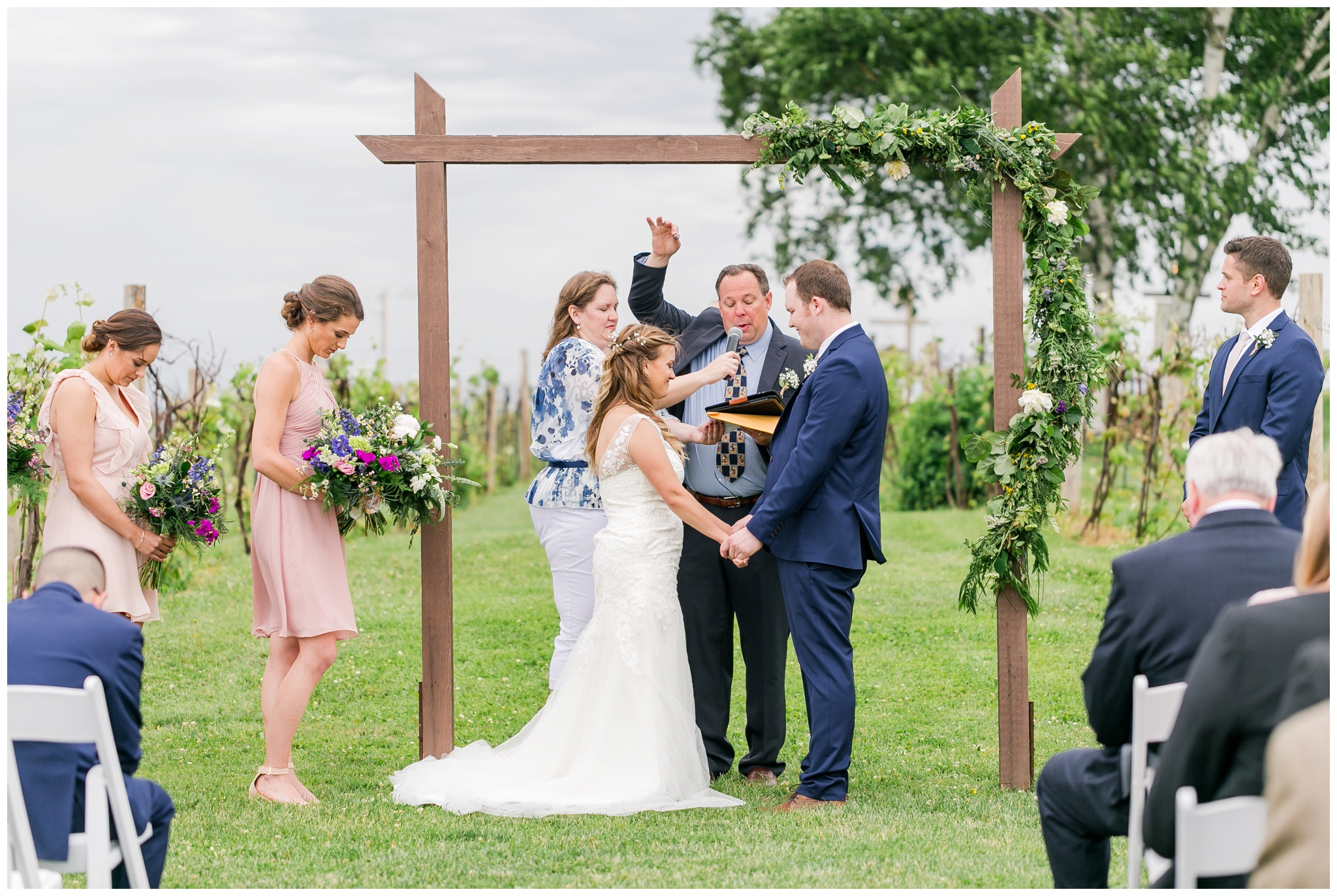 over_the_vines_wedding_edgerton_wisconsin_wedding_caynay_photo_4031.jpg