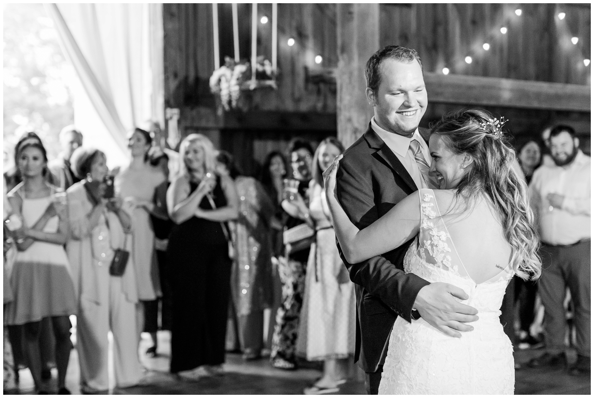 over_the_vines_wedding_edgerton_wisconsin_wedding_caynay_photo_4041.jpg