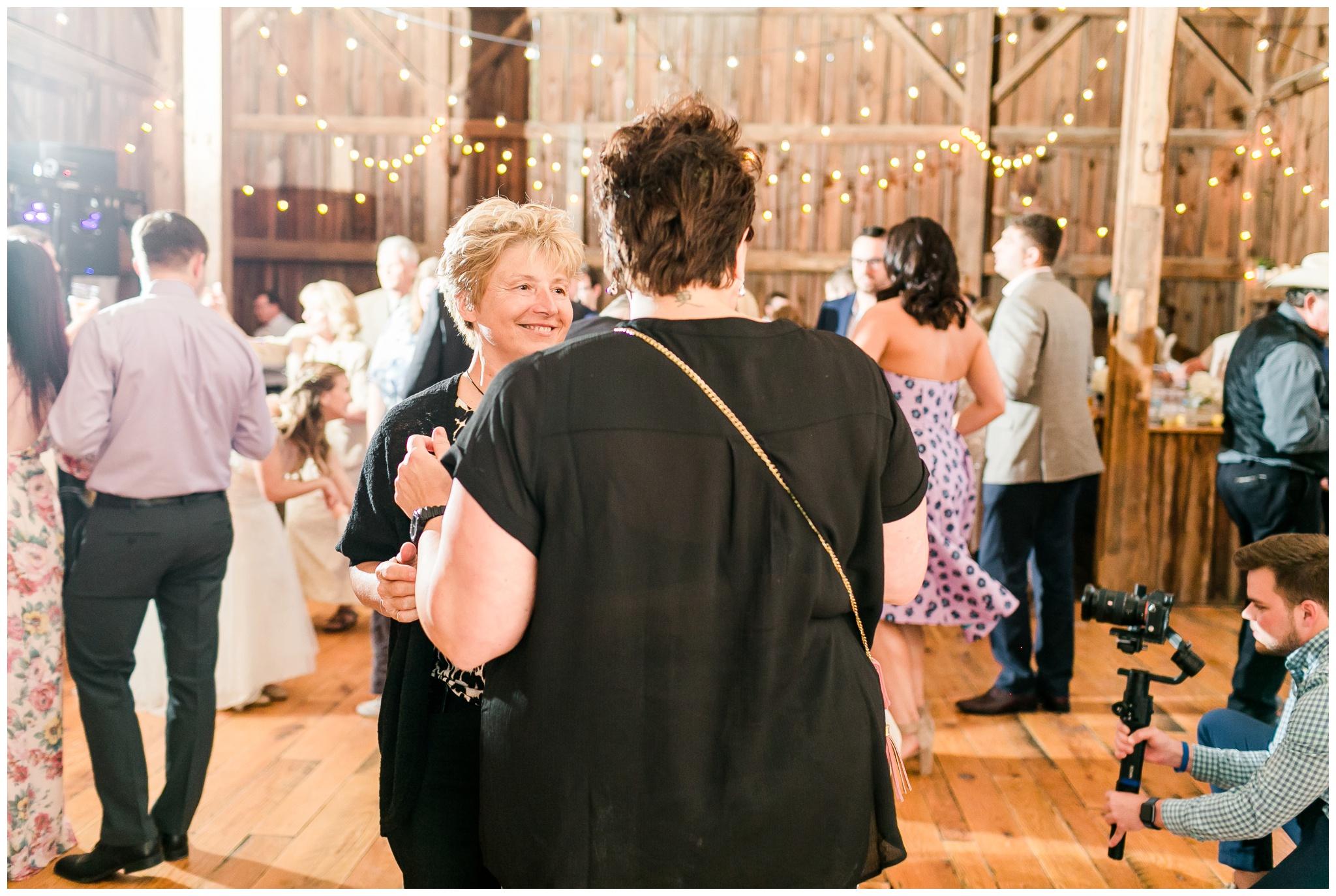 over_the_vines_wedding_edgerton_wisconsin_wedding_caynay_photo_4045.jpg