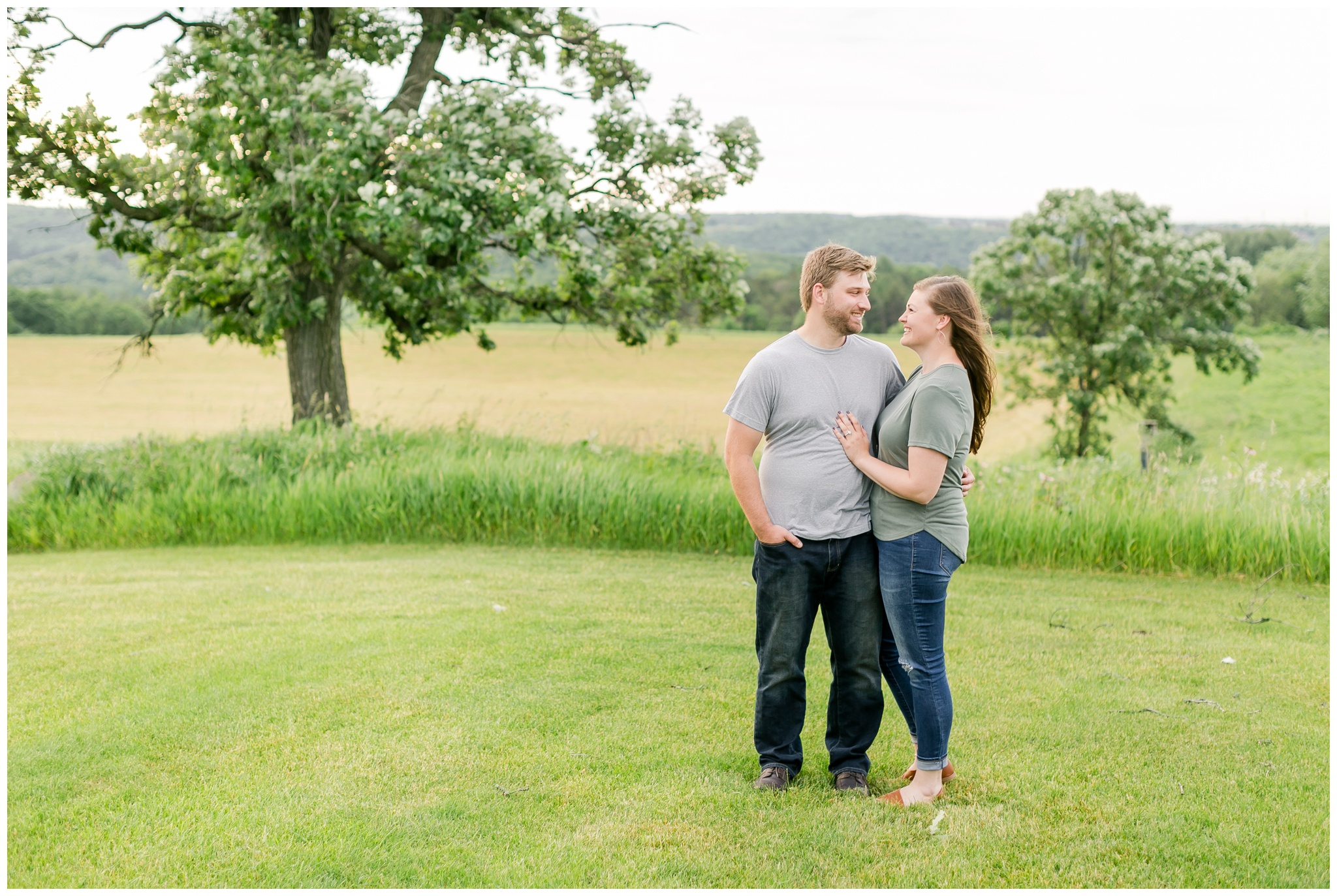 pope_farm_conservancy_engagement_session_madison_wisconsin_engagement_photographers_4142.jpg