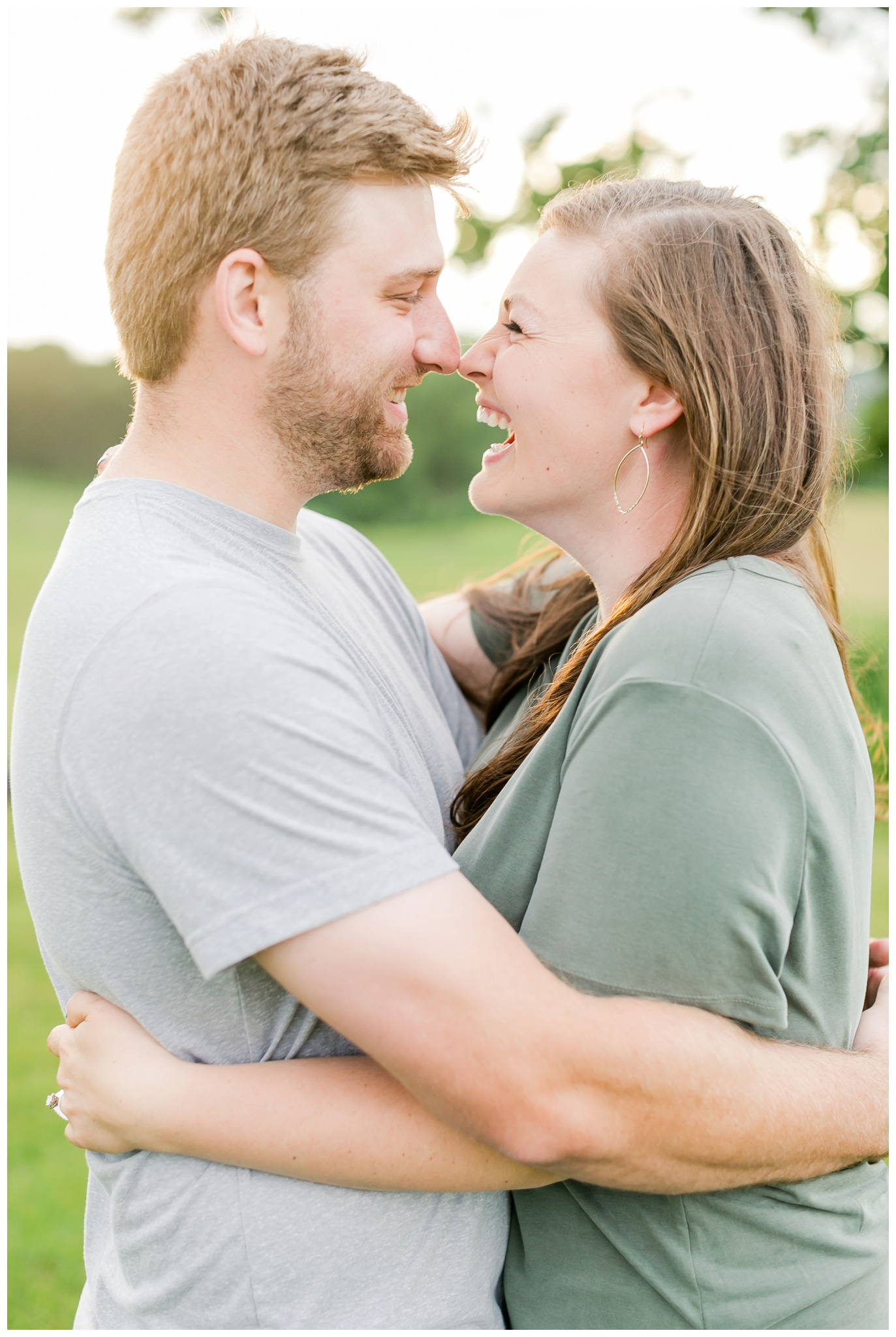 pope_farm_conservancy_engagement_session_madison_wisconsin_engagement_photographers_4148.jpg