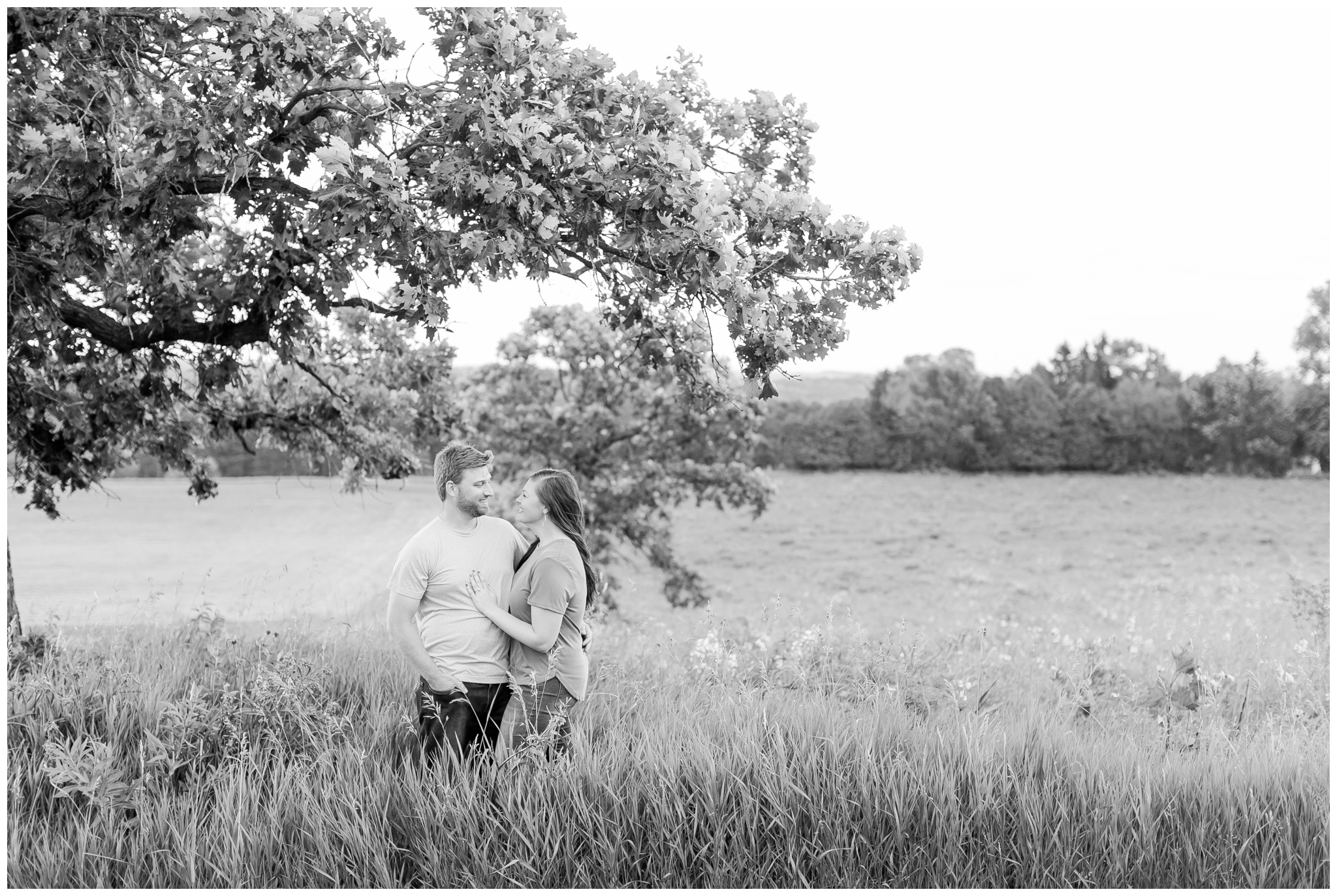 pope_farm_conservancy_engagement_session_madison_wisconsin_engagement_photographers_4149.jpg