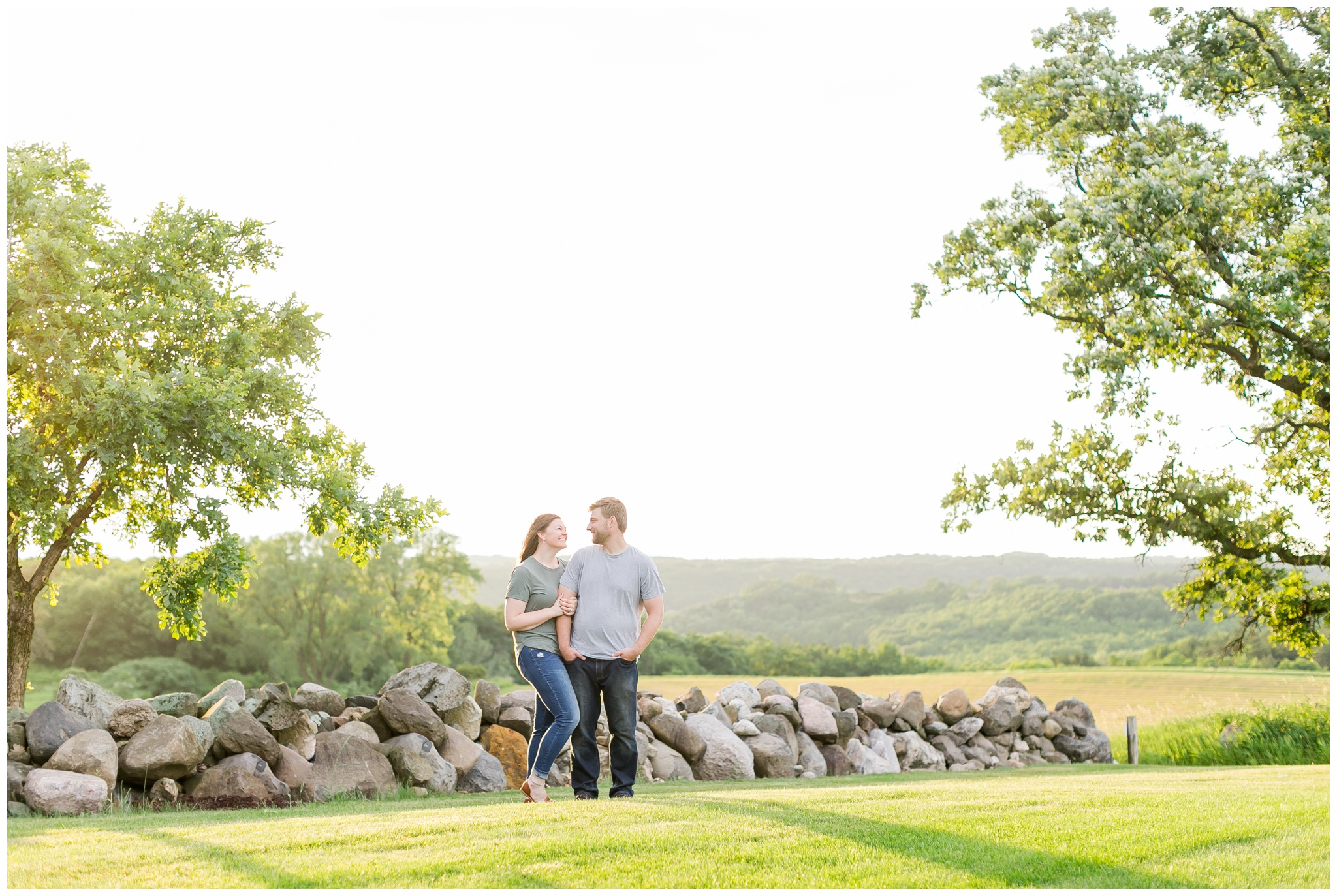 pope_farm_conservancy_engagement_session_madison_wisconsin_engagement_photographers_4161.jpg