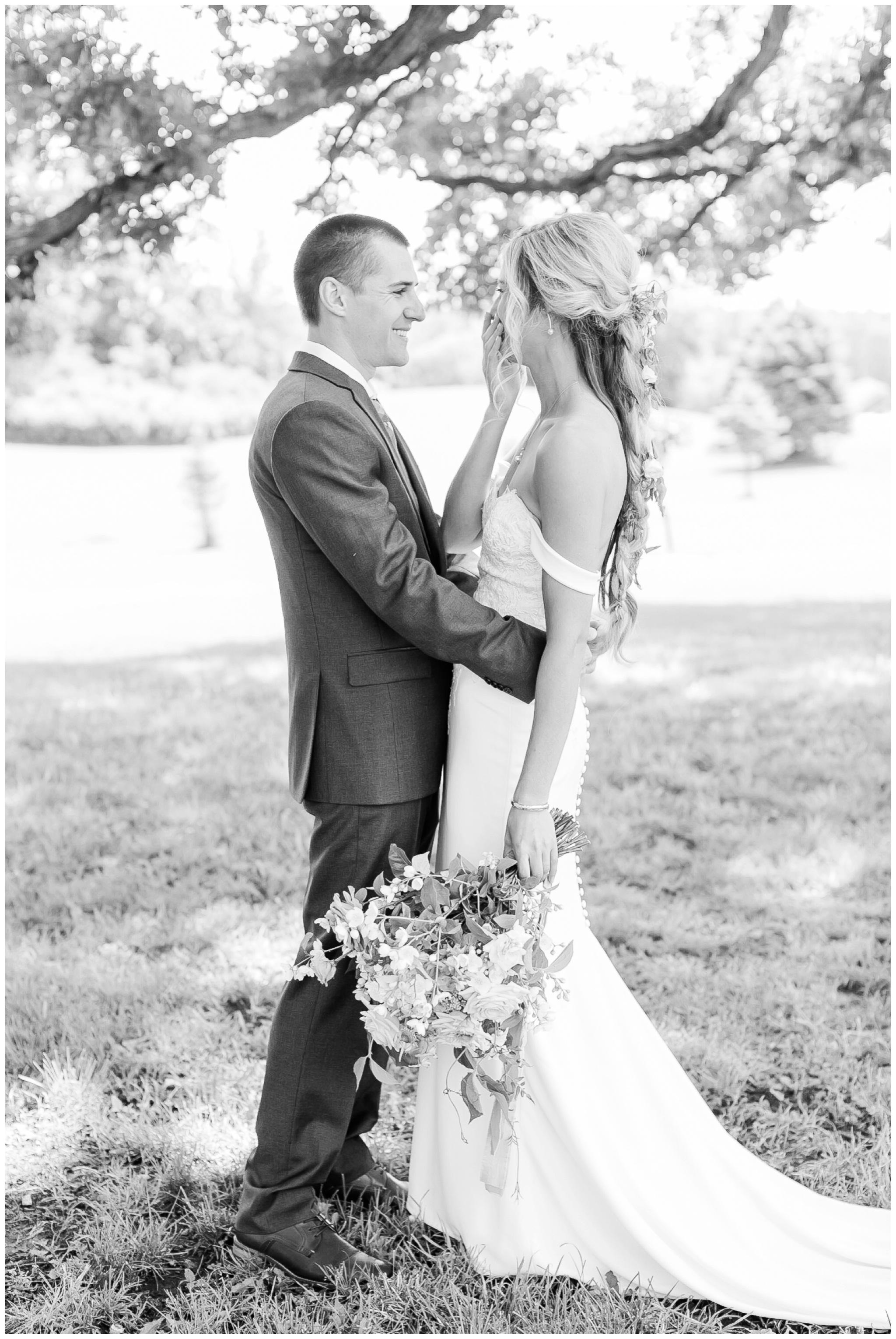 vintage_fields_farmin_betty's_colombus_wisconsin_wedding_briar_loft_3102.jpg