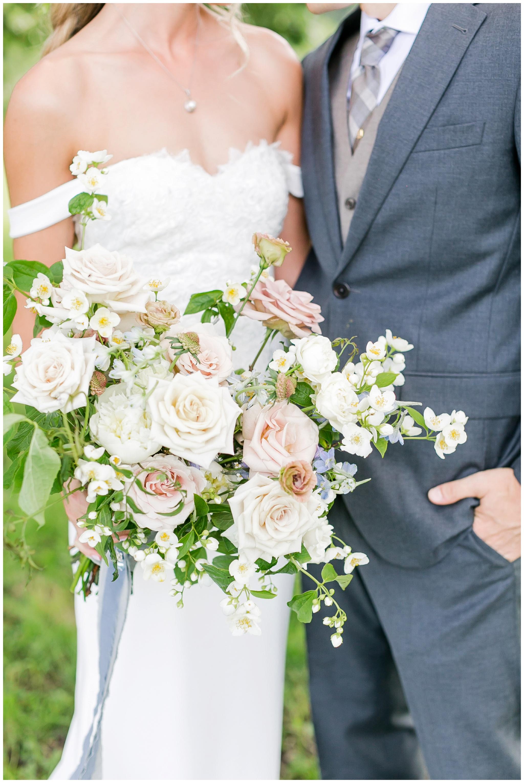 vintage_fields_farmin_betty's_colombus_wisconsin_wedding_briar_loft_3110.jpg