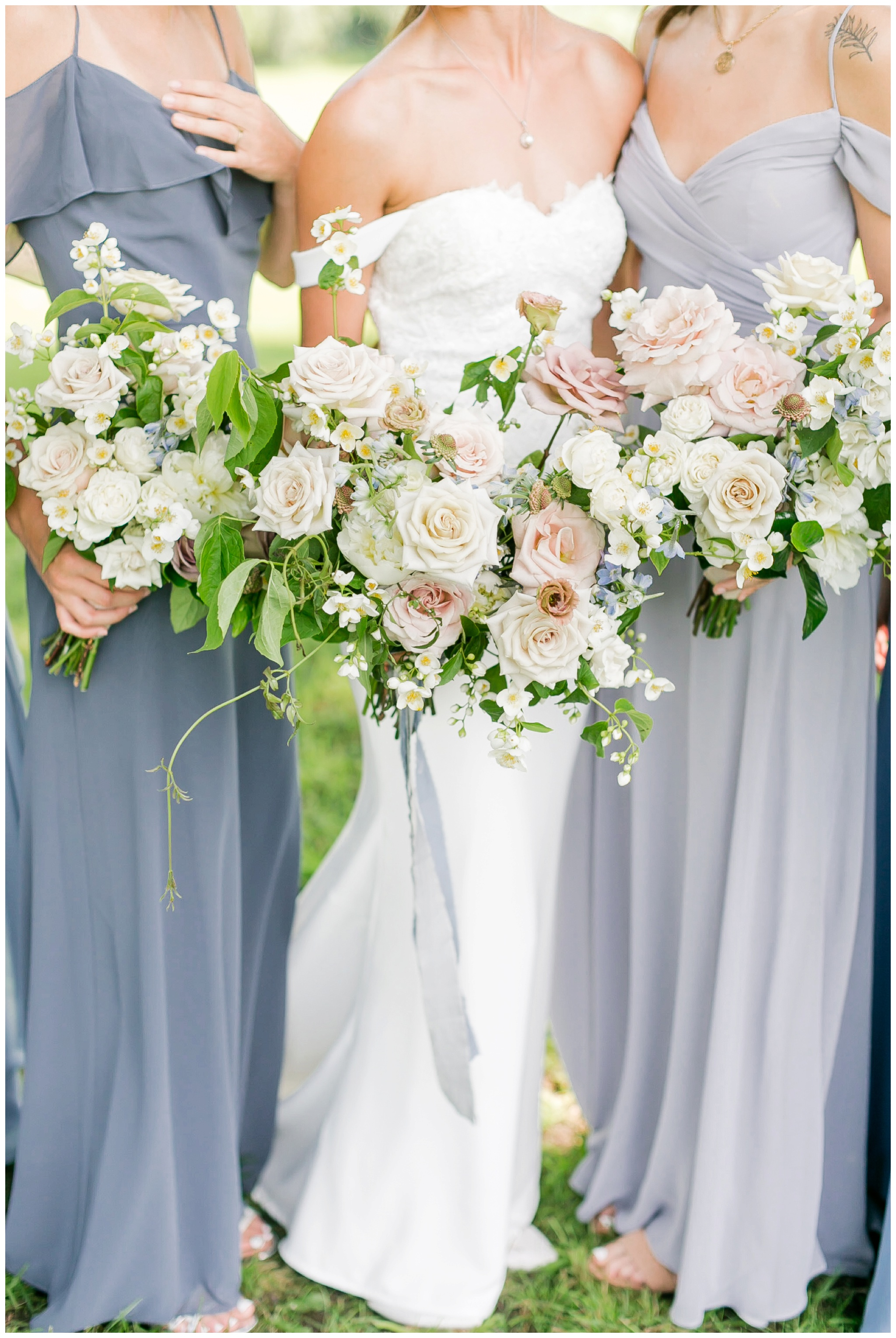 vintage_fields_farmin_betty's_colombus_wisconsin_wedding_briar_loft_3125.jpg