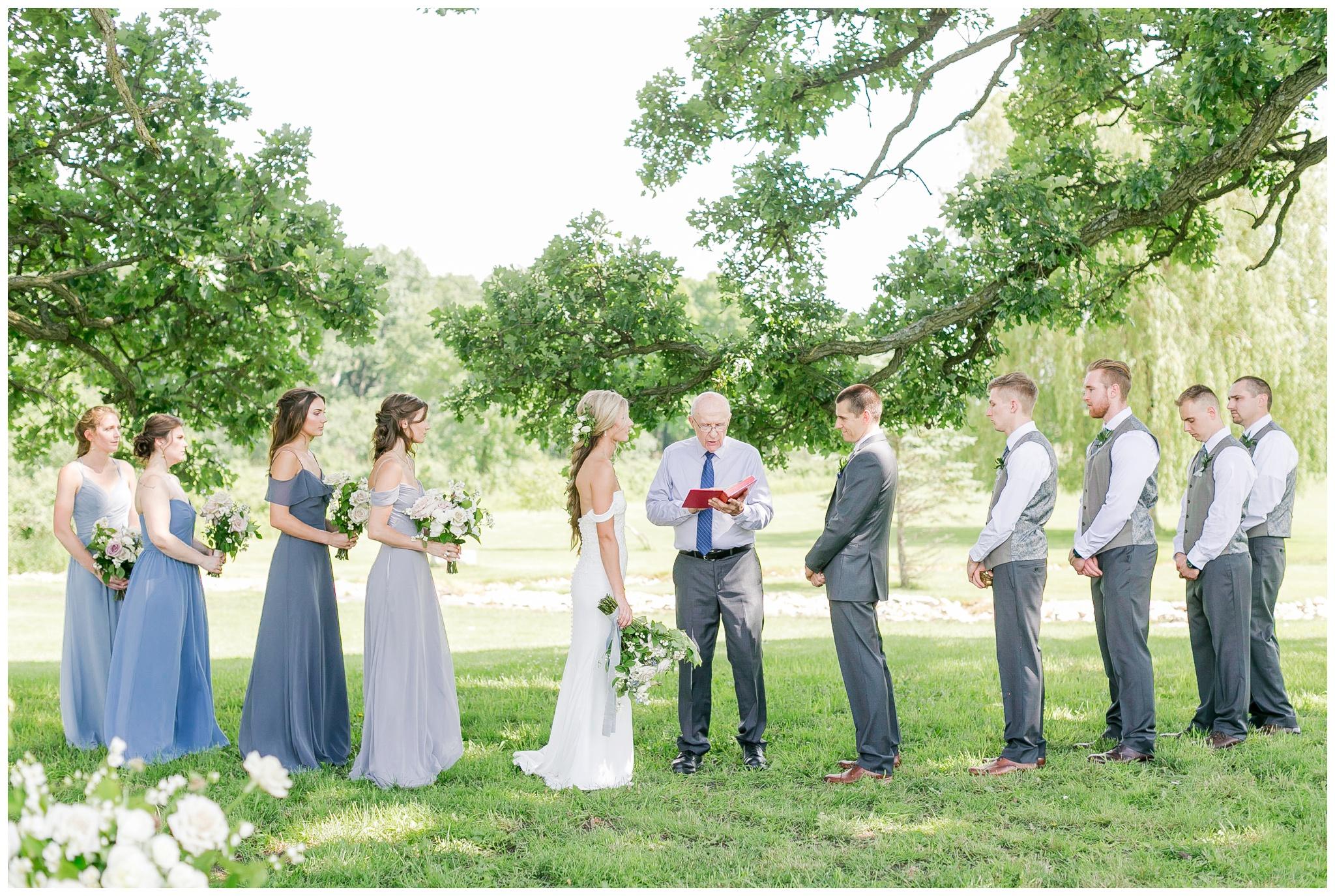 vintage_fields_farmin_betty's_colombus_wisconsin_wedding_briar_loft_3130.jpg