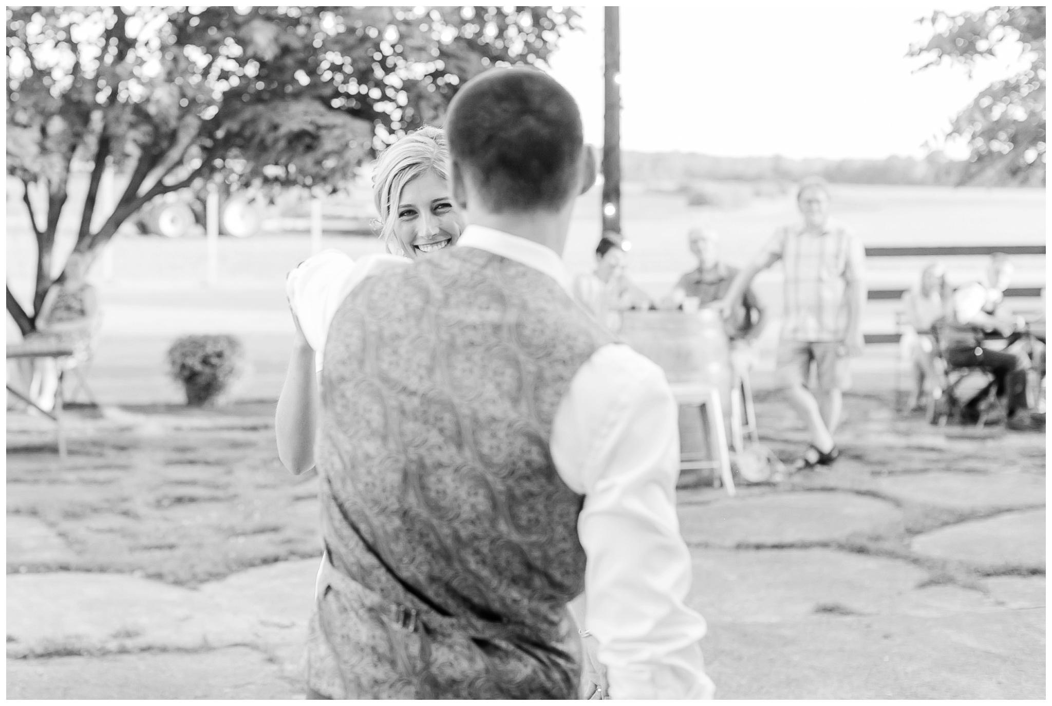 vintage_fields_farmin_betty's_colombus_wisconsin_wedding_briar_loft_3141.jpg