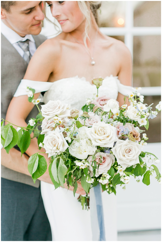 vintage_fields_farmin_betty's_colombus_wisconsin_wedding_briar_loft_3158.jpg