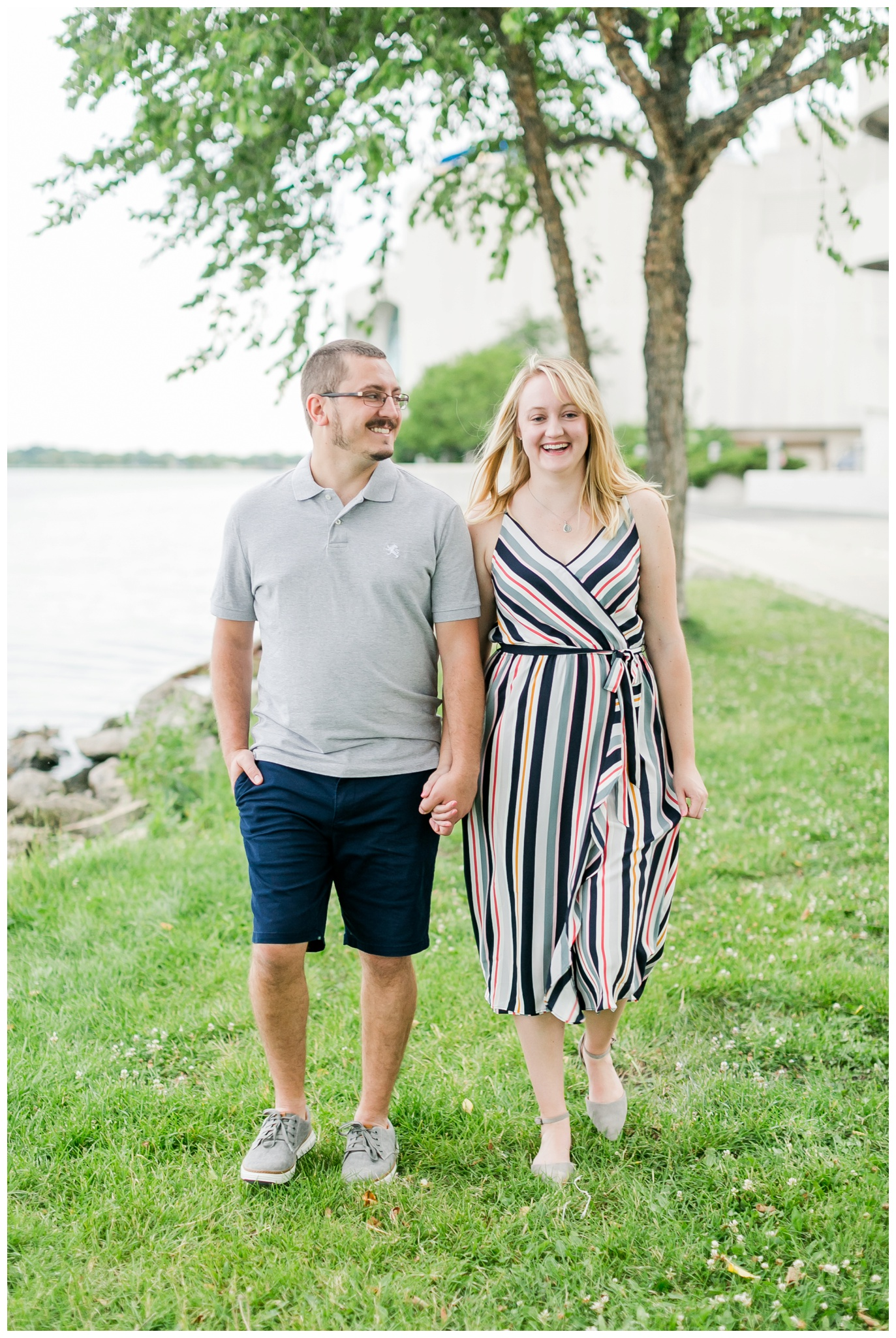 Downtown_madison_wisconsin_engagement_session_4213.jpg