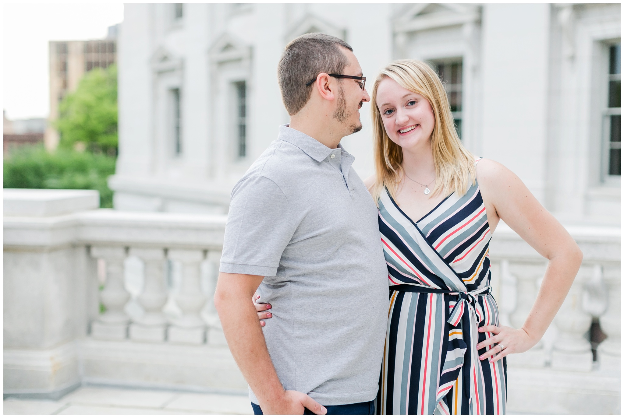 Downtown_madison_wisconsin_engagement_session_4217.jpg