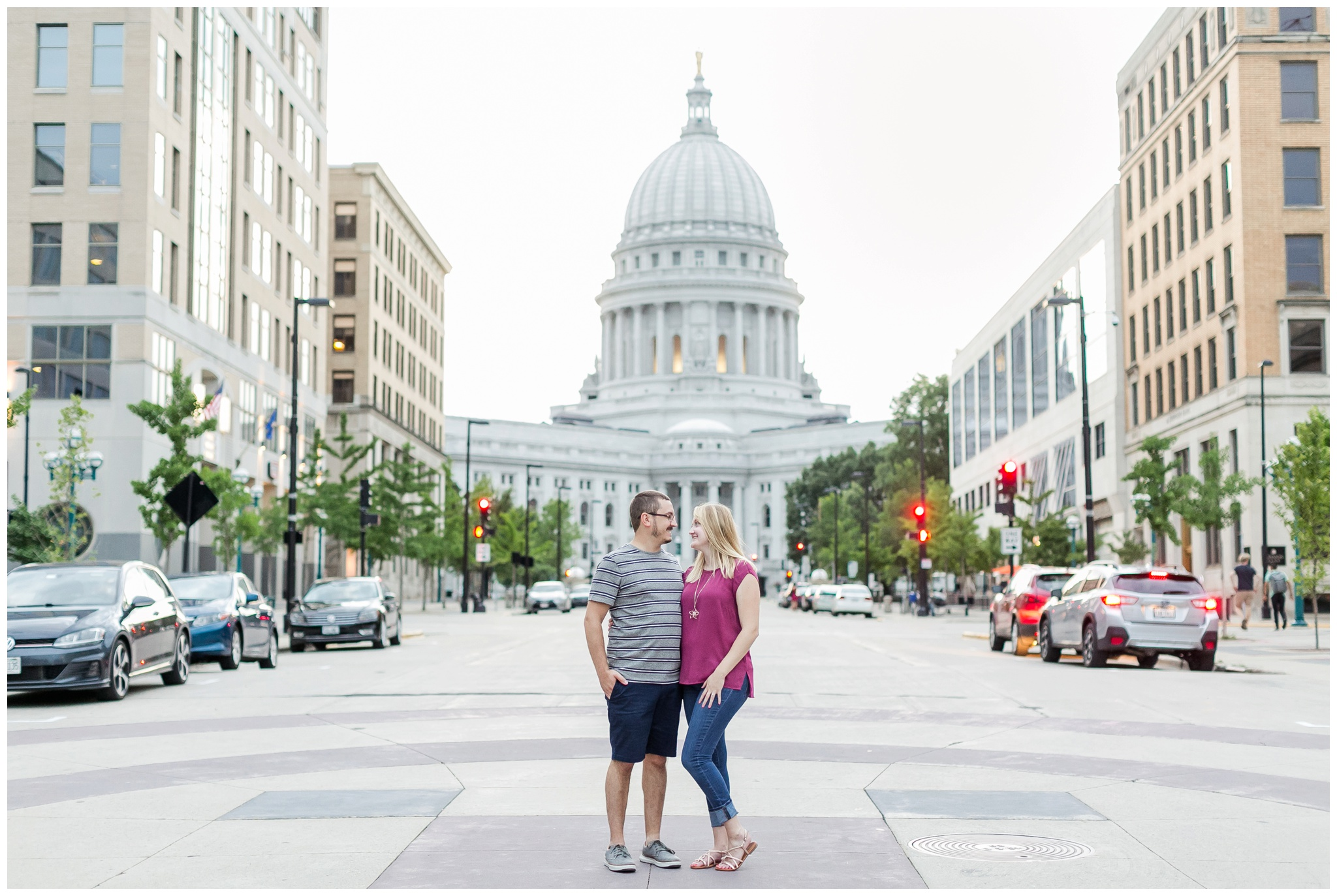 Downtown_madison_wisconsin_engagement_session_4223.jpg