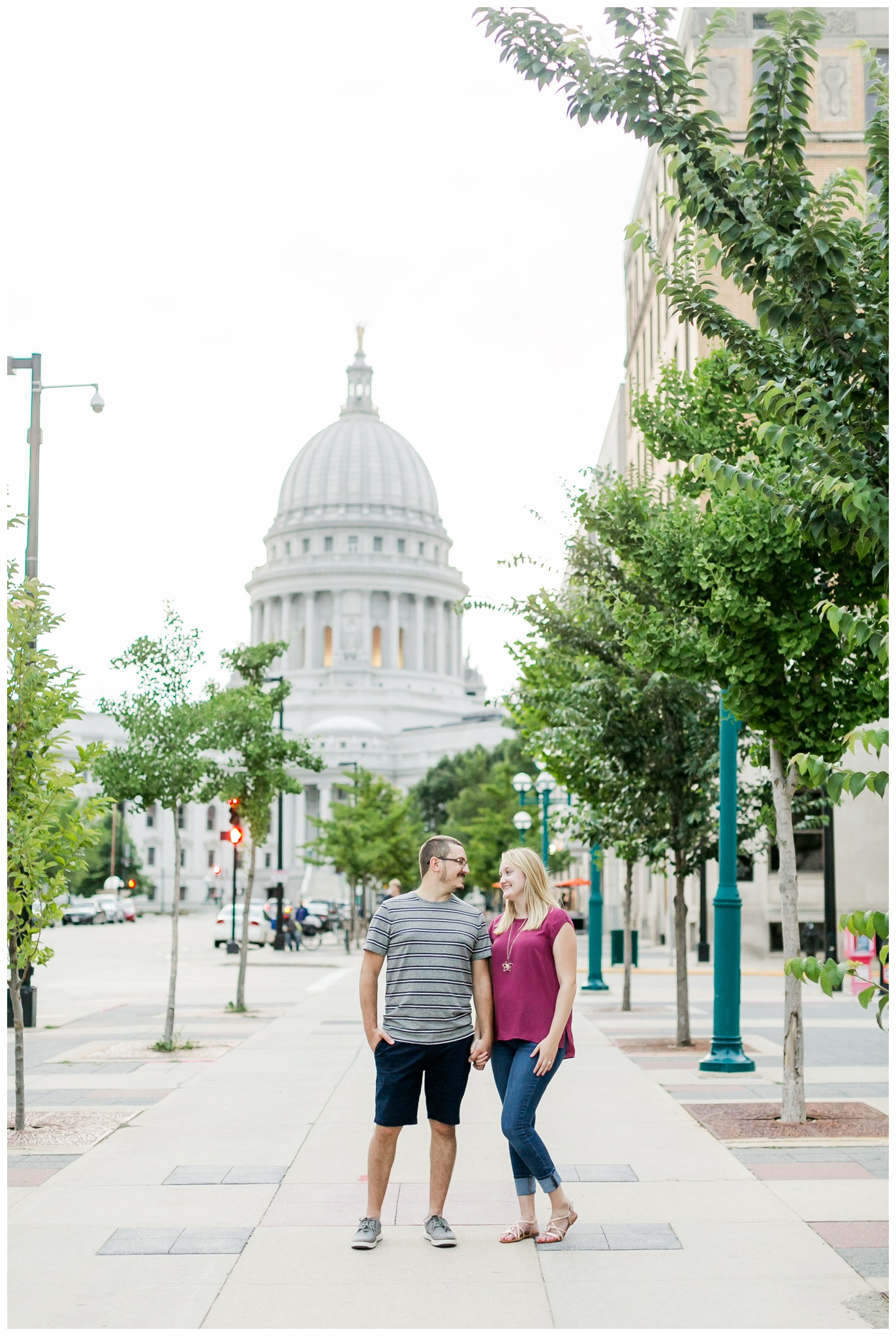 Downtown_madison_wisconsin_engagement_session_4227.jpg