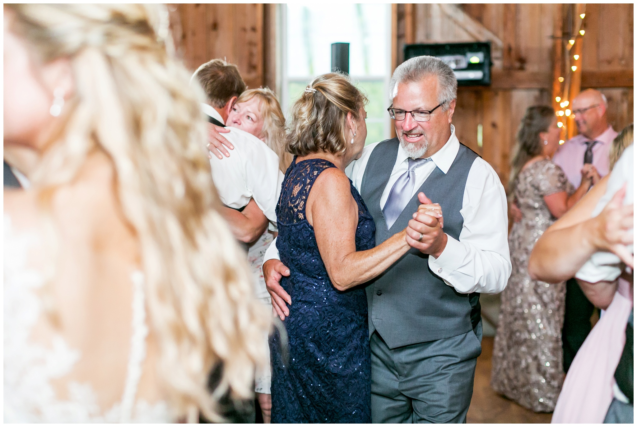 Sugarland_barn_arena_wisconsin_wedding_madison_wisconsin_4305.jpg