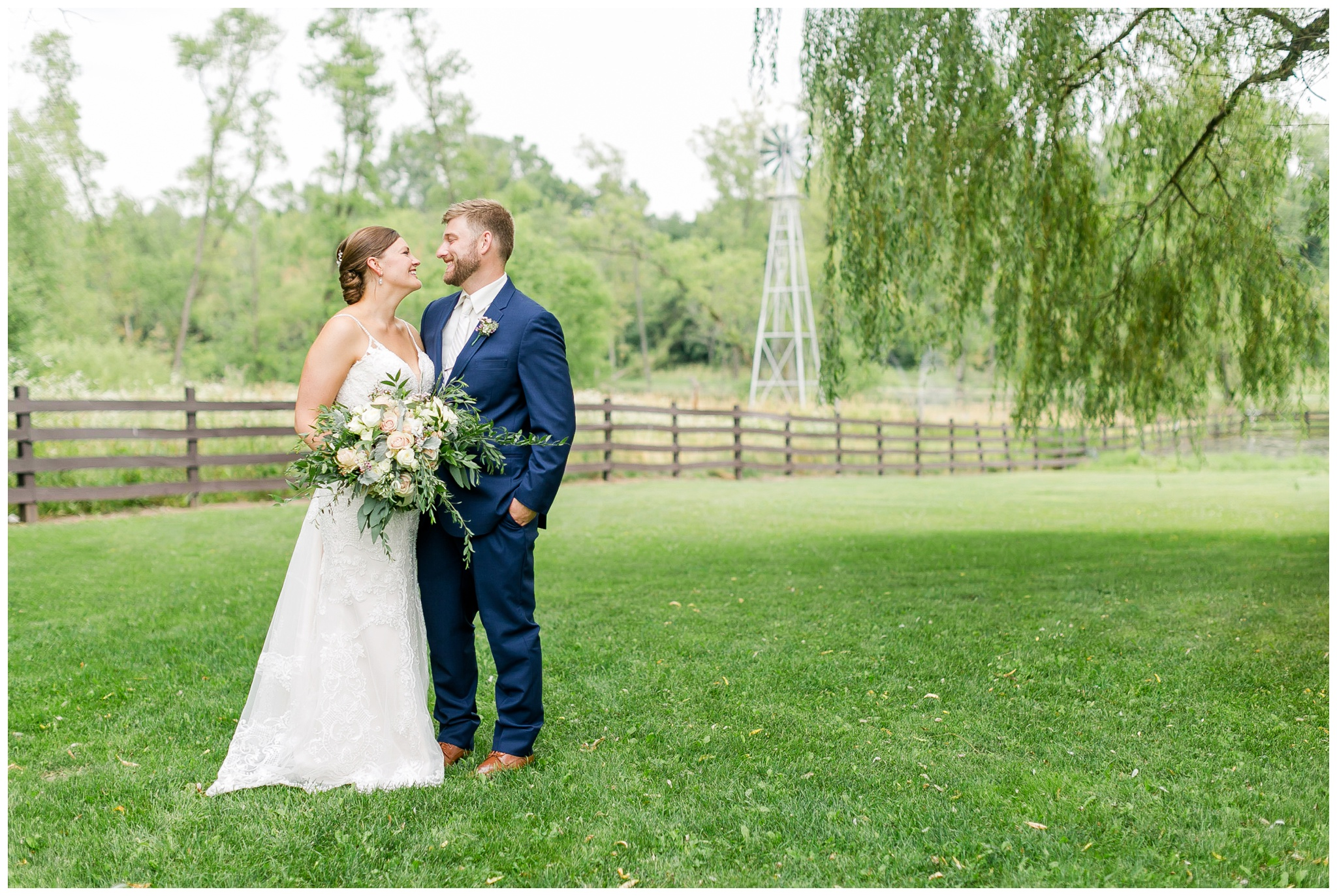Barn_at_harvest_moon_pond_wedding_madison_wisconsin_wedding_photographers_3221.jpg