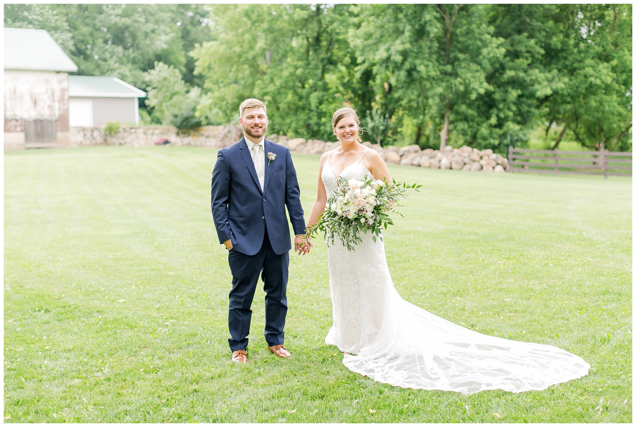 Barn_at_harvest_moon_pond_wedding_madison_wisconsin_wedding_photographers_3226.jpg