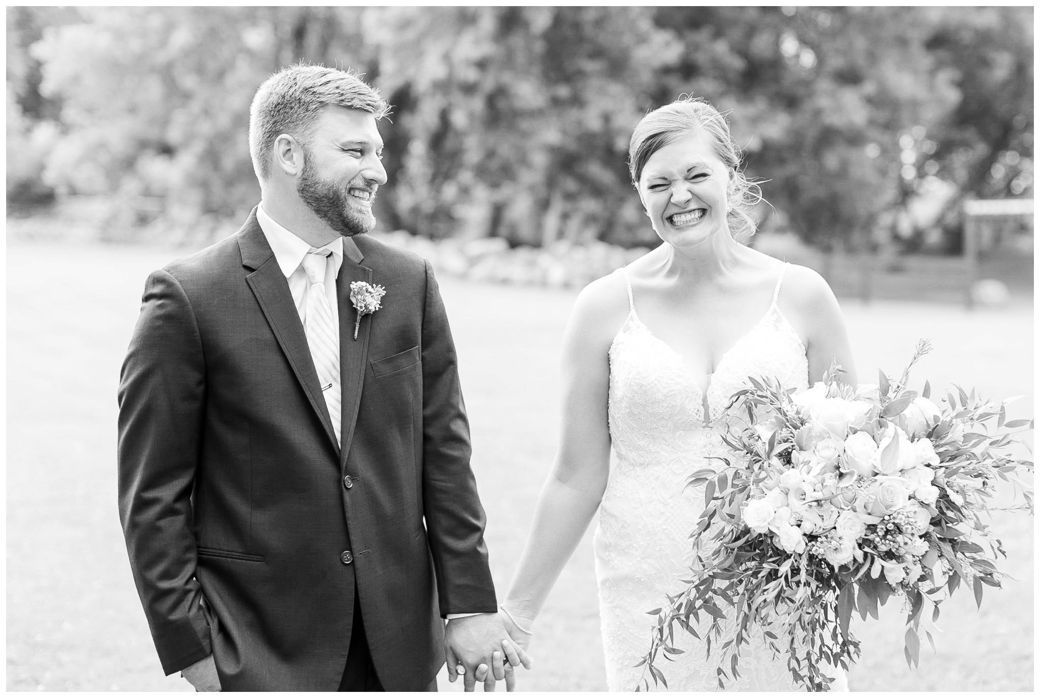 Barn_at_harvest_moon_pond_wedding_madison_wisconsin_wedding_photographers_3229.jpg