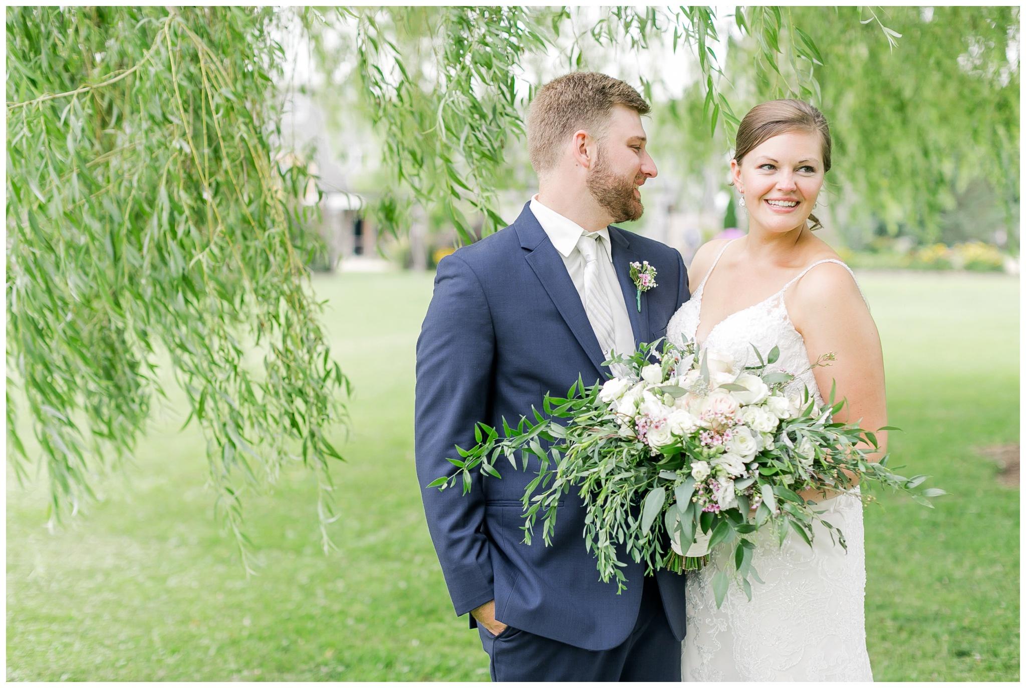 Barn_at_harvest_moon_pond_wedding_madison_wisconsin_wedding_photographers_3230.jpg