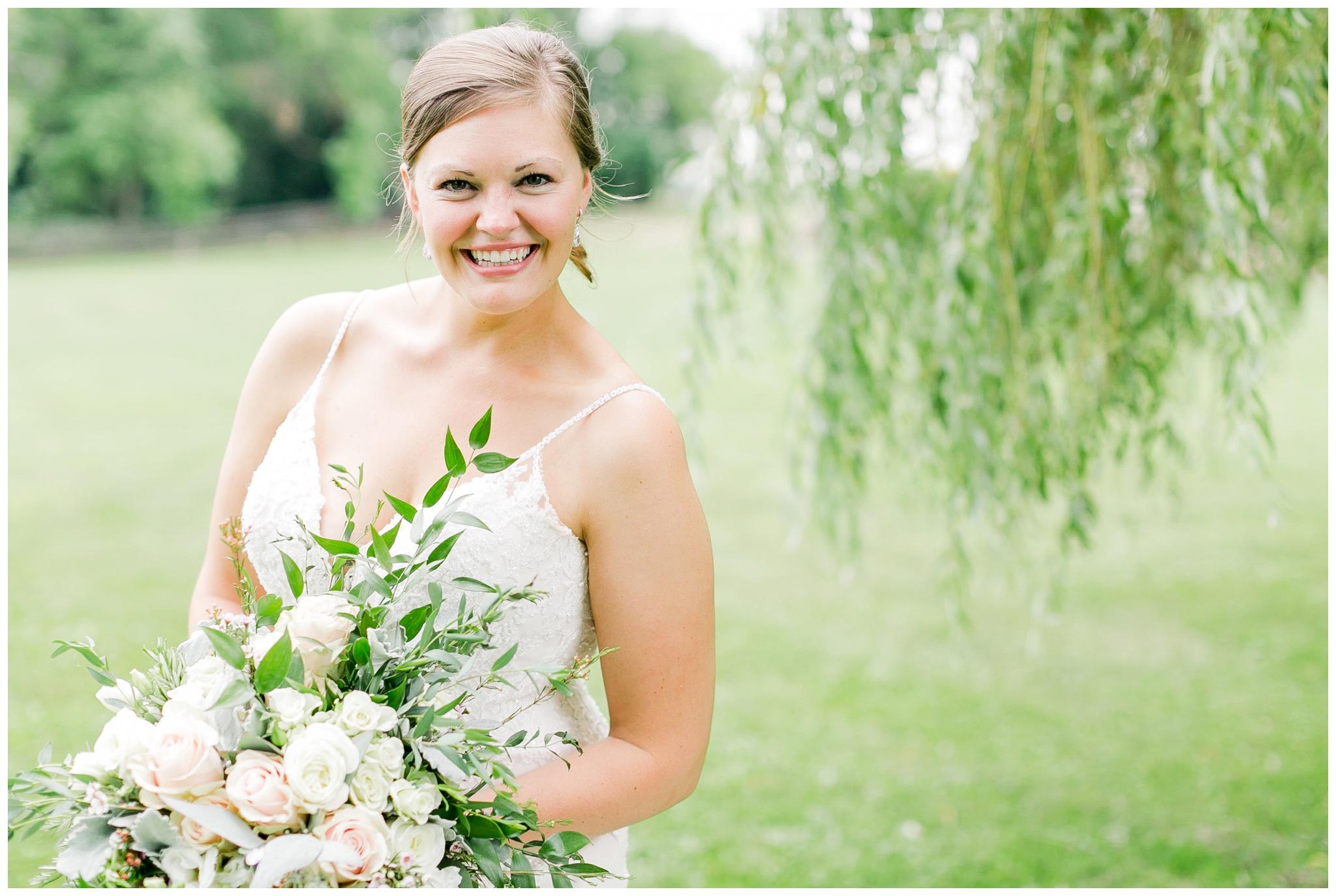 Barn_at_harvest_moon_pond_wedding_madison_wisconsin_wedding_photographers_3235.jpg