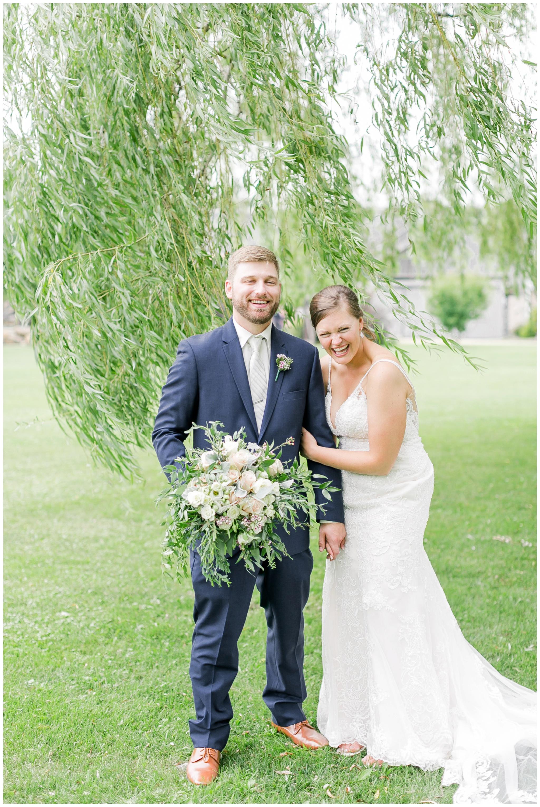 Barn_at_harvest_moon_pond_wedding_madison_wisconsin_wedding_photographers_3237.jpg