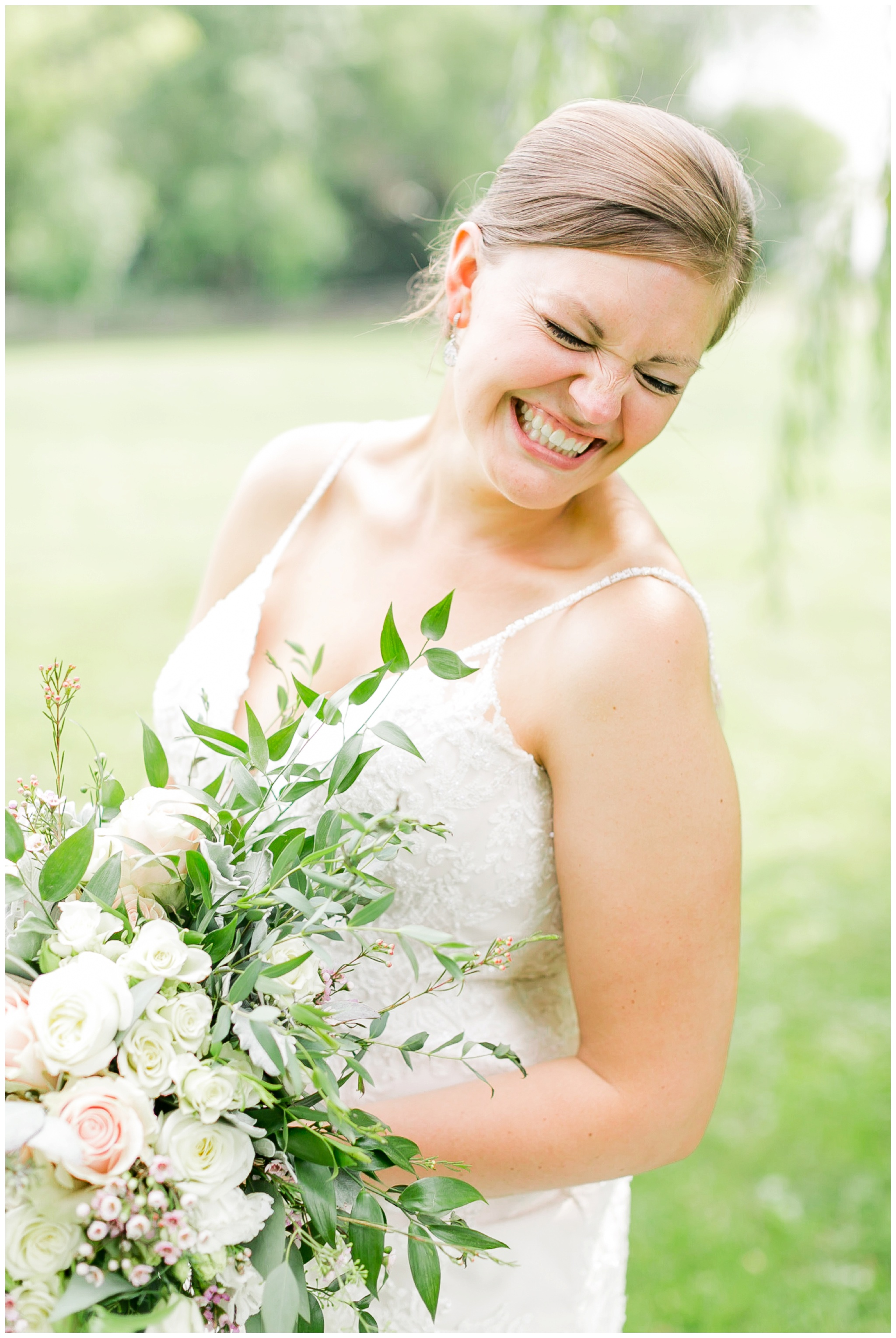 Barn_at_harvest_moon_pond_wedding_madison_wisconsin_wedding_photographers_3239.jpg