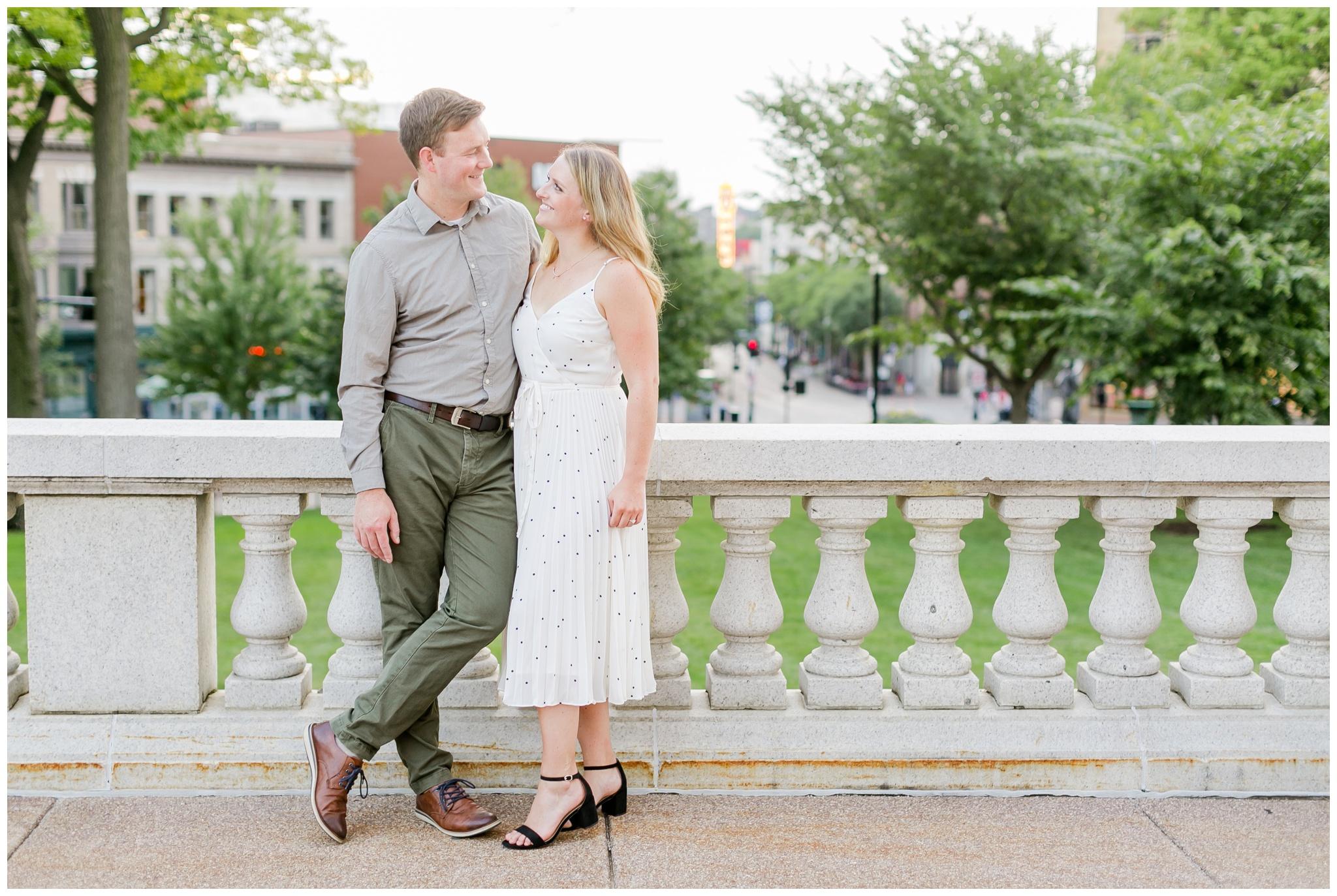 madison_wisconsin_wedding_photographers_downtown_engagement_session_4495.jpg