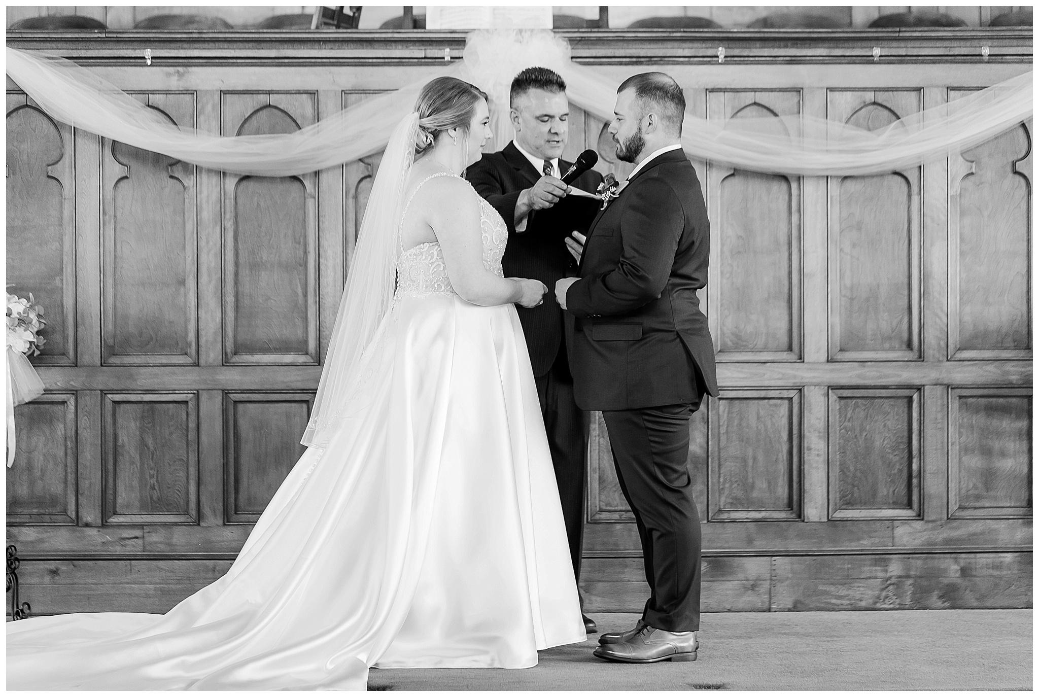 la_casa_grande_wedding_beloit_wisconsin_caynay_photo_0012.jpg