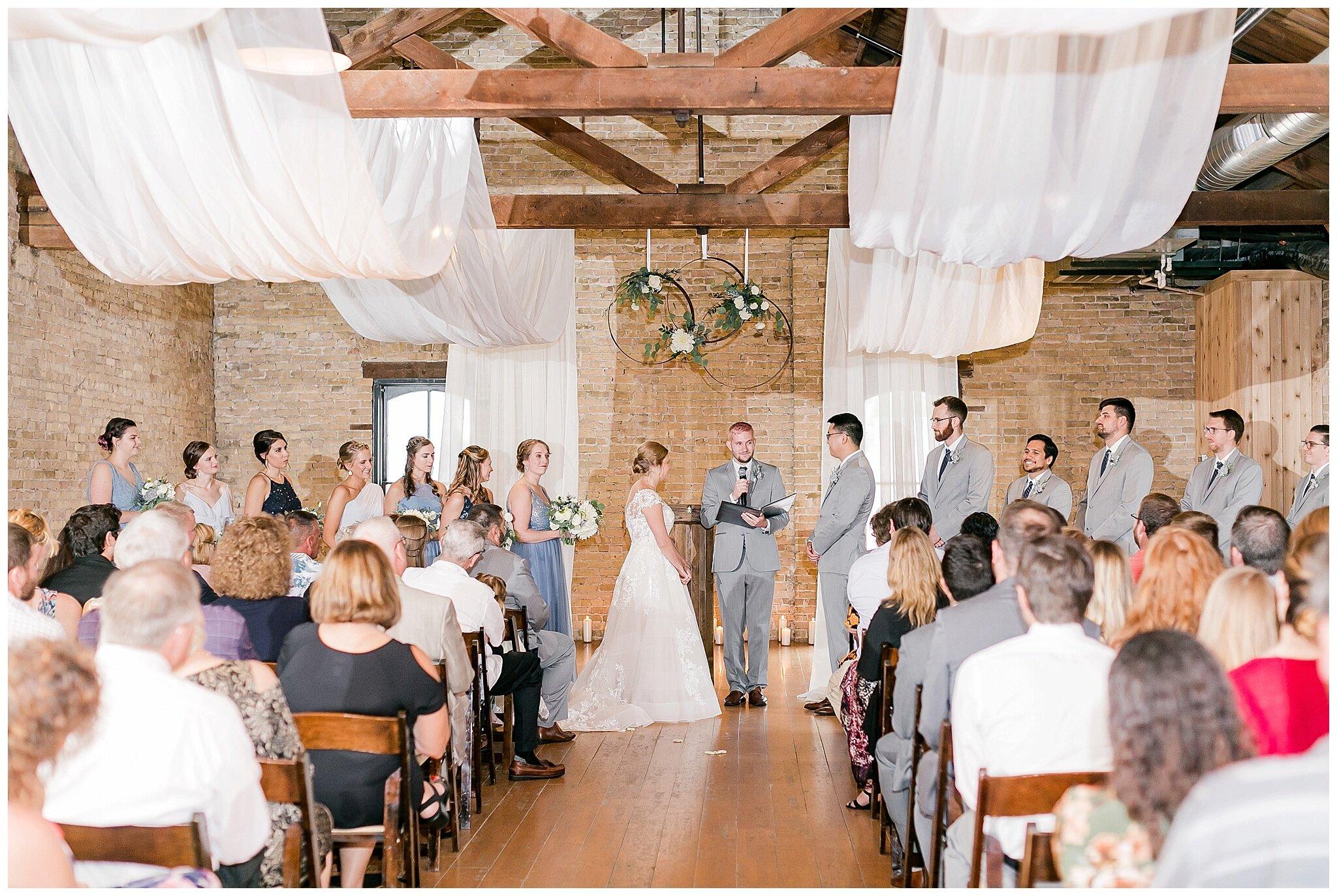 the_lageret_stoughton_wisconsin_wedding_madison_wisconsin_wedding_photographers_0259.jpg