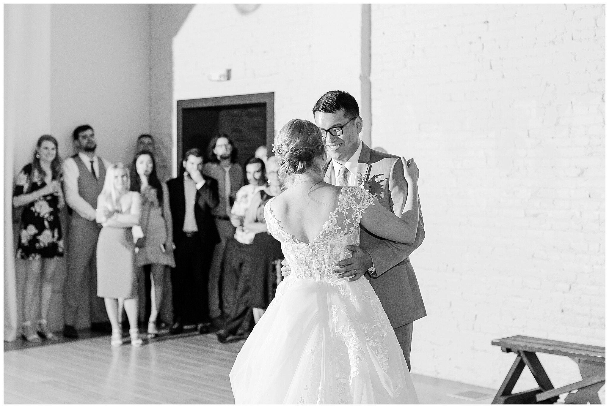 the_lageret_stoughton_wisconsin_wedding_madison_wisconsin_wedding_photographers_0270.jpg