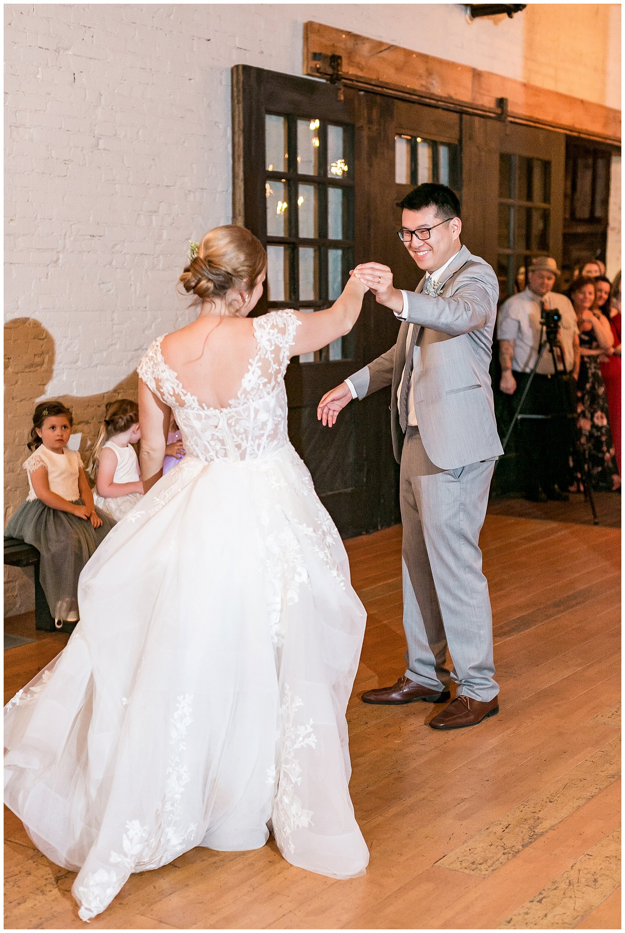 the_lageret_stoughton_wisconsin_wedding_madison_wisconsin_wedding_photographers_0273.jpg